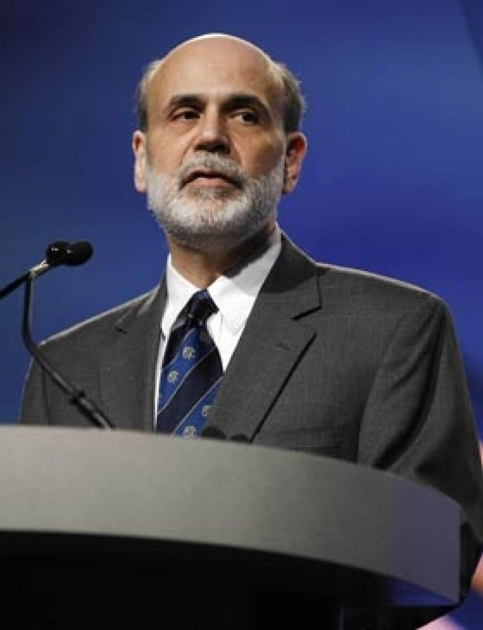 Ben Bernanke a redit que la question des établissements «trop gros pour pouvoir faire faillite» sans conséquences dommageables pour l'ensemble du système financier était devenue un «problème énorme».