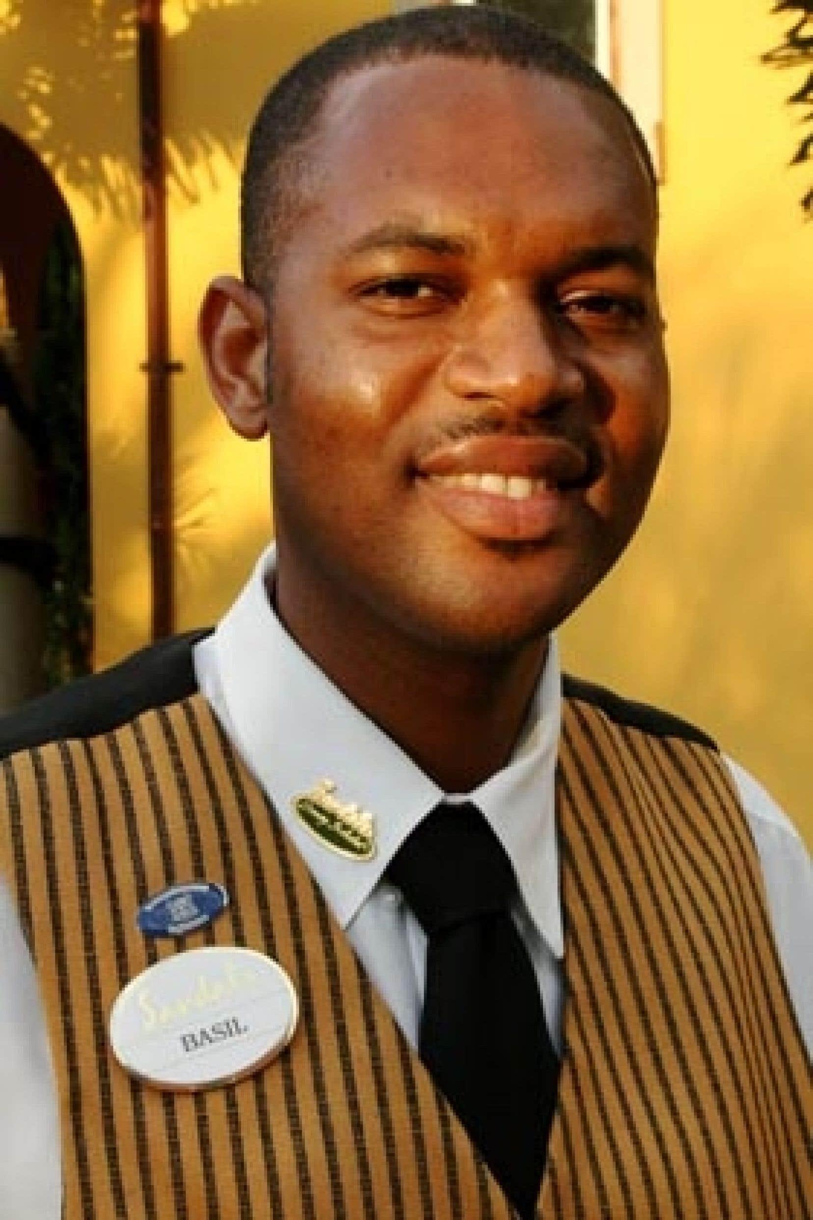 Basil Tomlinson, majordome au Sandals Whitehouse European Village & Spa, en Jamaïque.