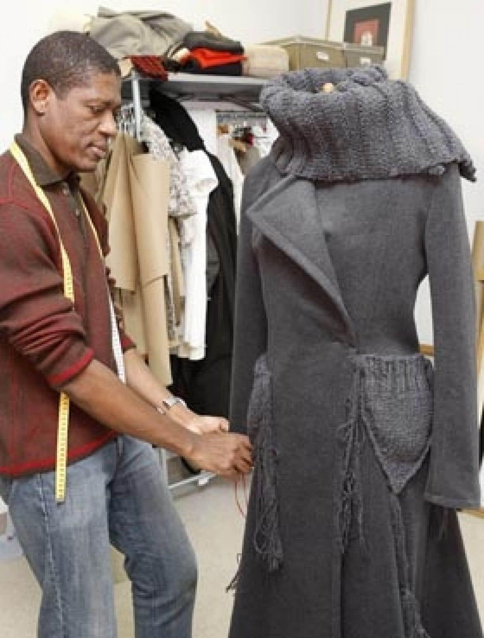 Helmer Joseph cumule 16 diplômes d'autant d'écoles de mode.