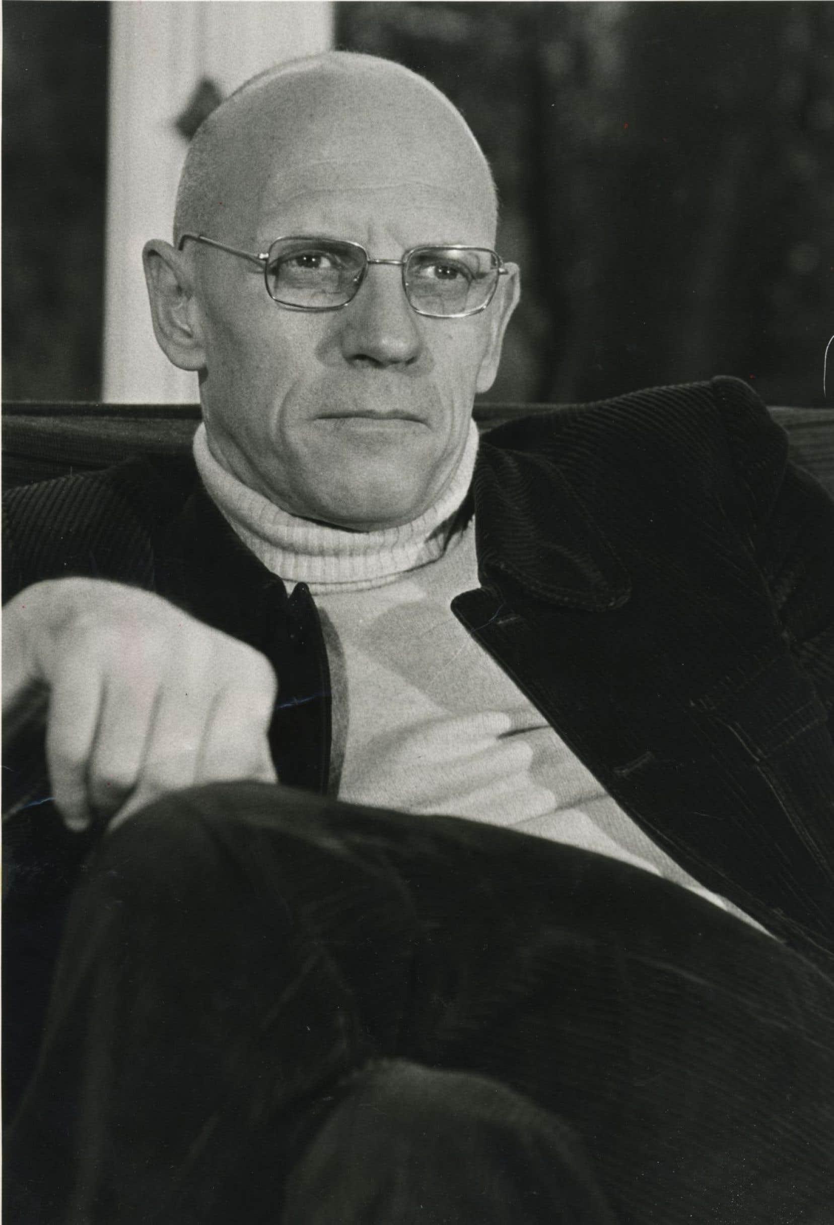 Philosophe et historien, c'est le Michel Foucault écrivain qui est davantage honoré dans le pavé de la Pléiade.