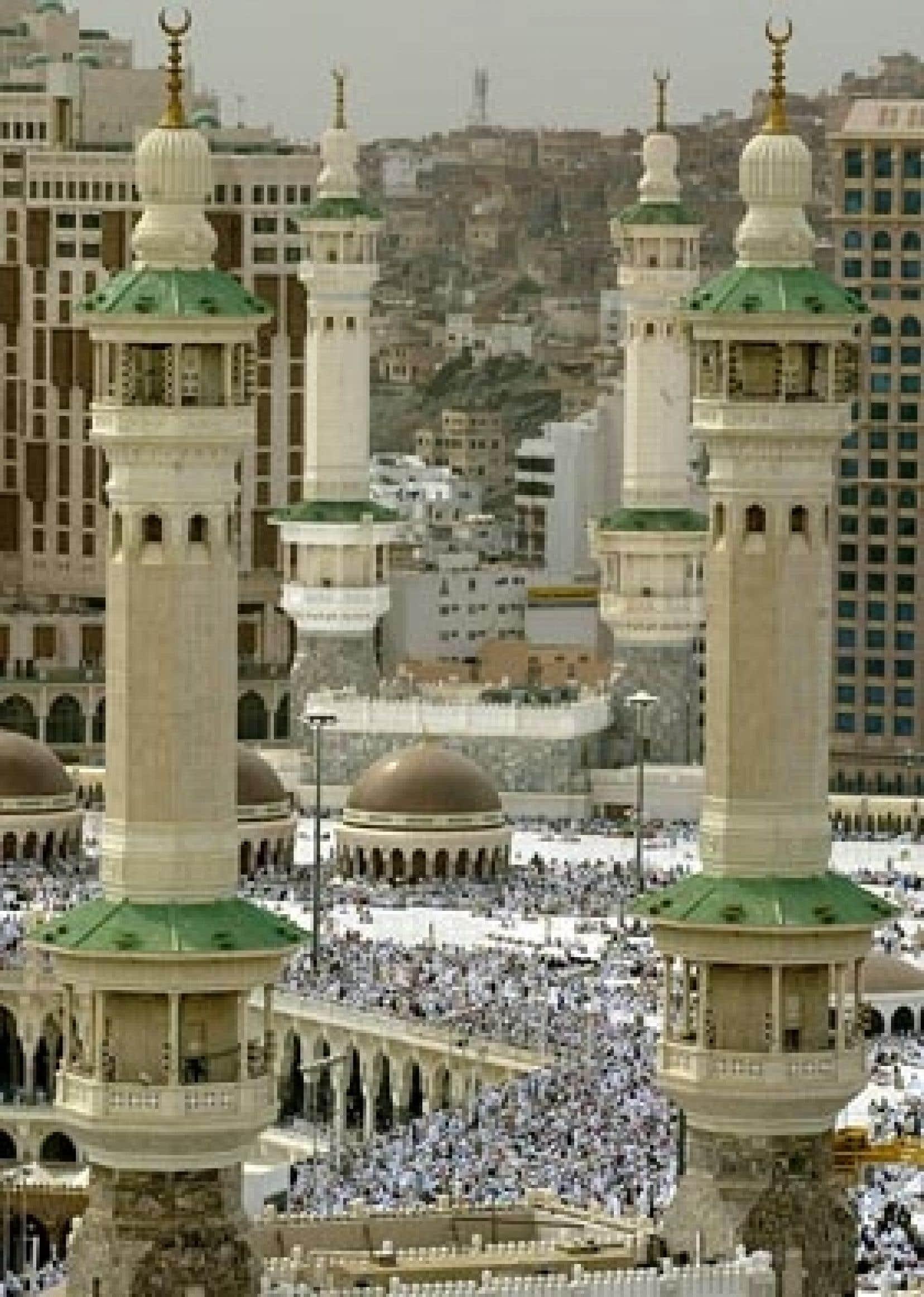 Plusieurs centaines de milliers d'Iraniens se rendent tous les ans à La Mecque.