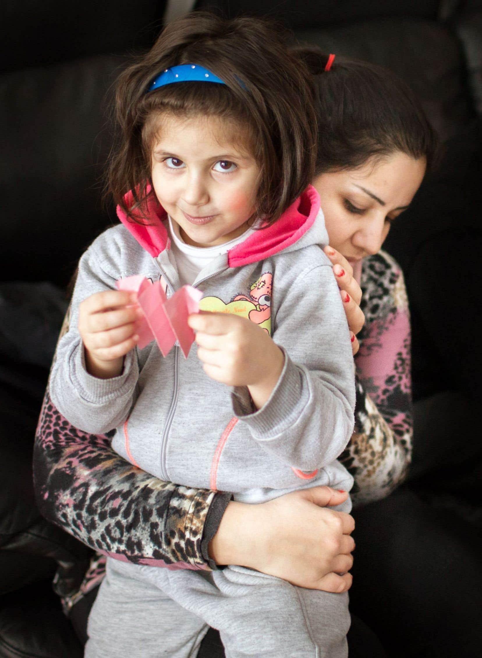 Pour que leur fille, Celine, ait un avenir, Amal et son époux ont choisi l'exil.
