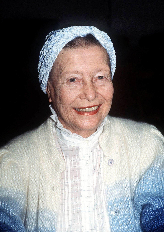Adoptant une perspective chronologique, «Simone de Beauvoir et les femmes» s'arrête sur les rapports entretenus par Beauvoir avec les femmes, dont certaines étaient aussi amantes de Sartre.