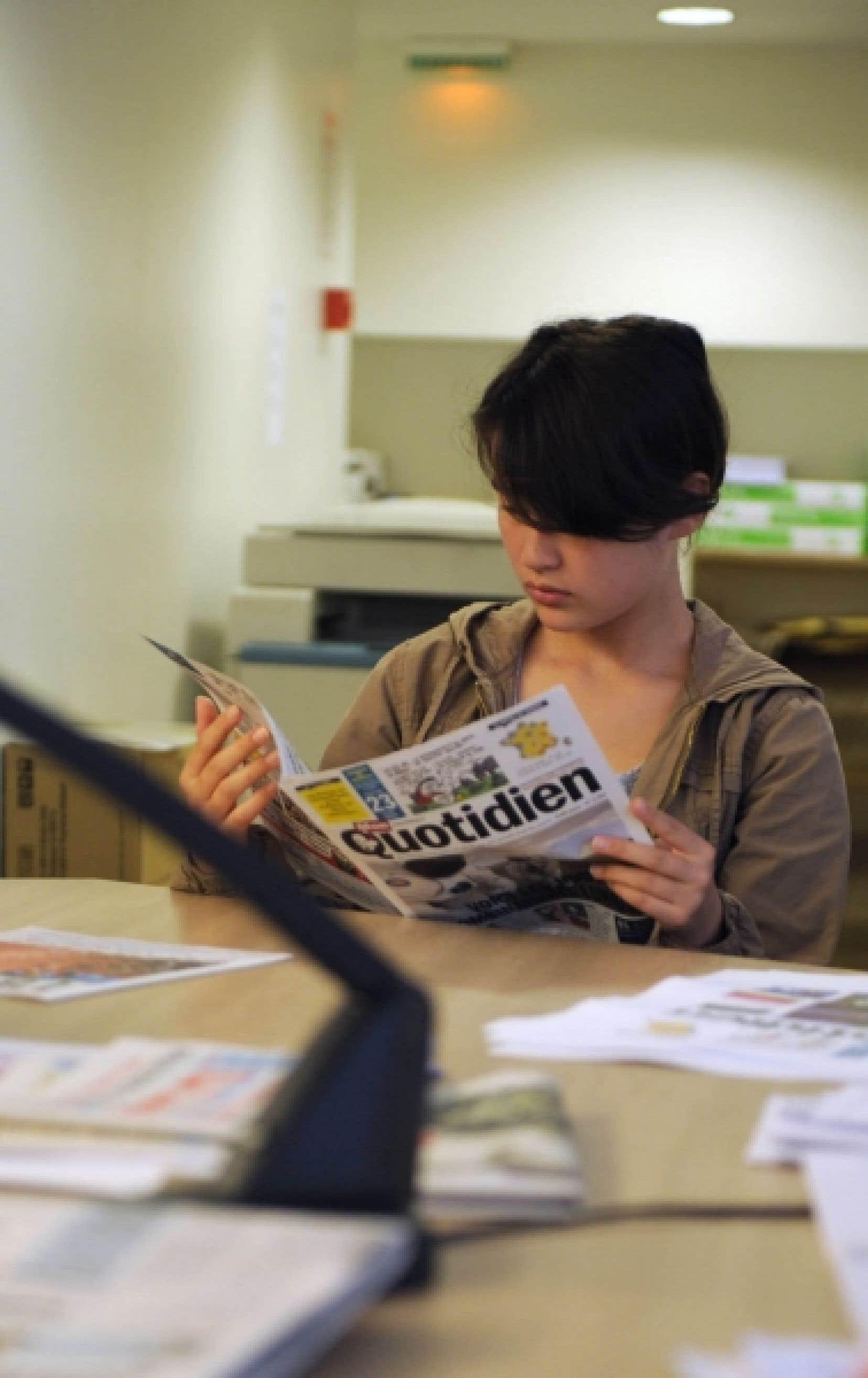 En France, tous les moyens sont bons pour intéresser les jeunes à la lecture des journaux.