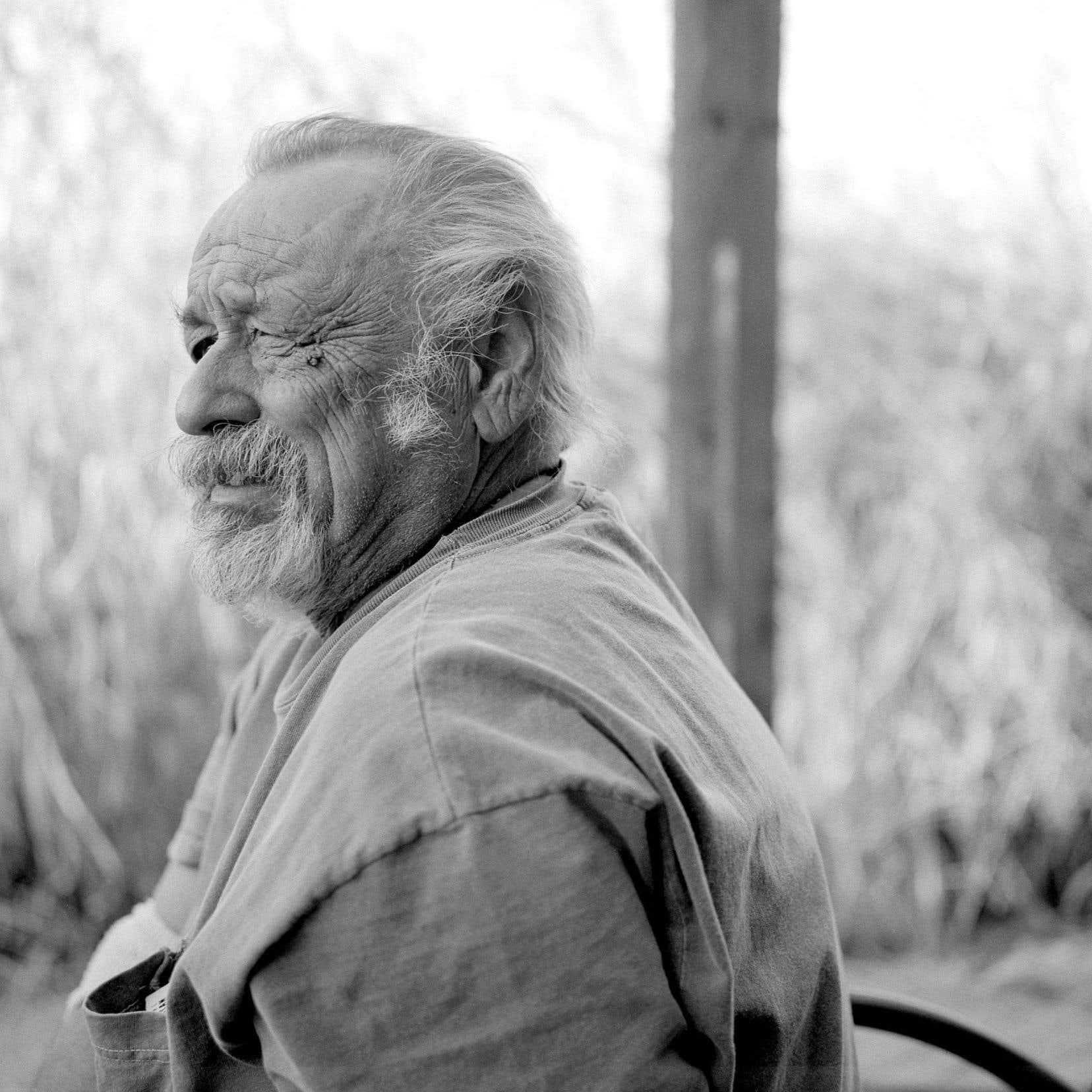 Jim Harrison est décédé samedi dernier d'un infarctus au milieu de la sécheresse fauve et azurée de cet Arizona dont il décrivit si bien les paysages et la lumière dans Beige dolorosa.