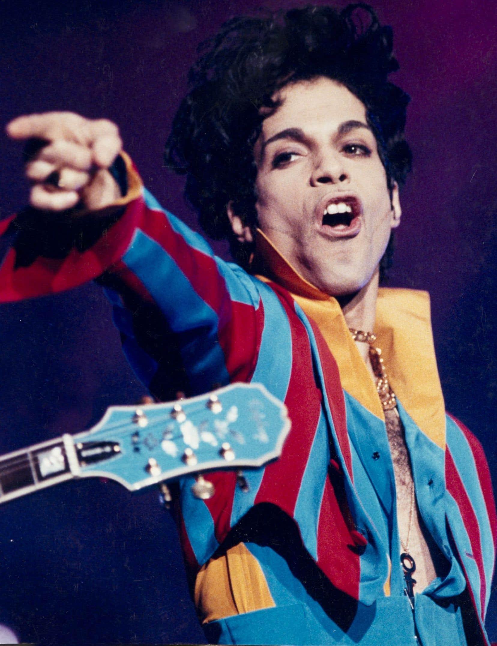Le géant de la pop, lors d'un passage au Centre Molson, au tournant des années 2000. Prince a donné deux spectacles à Montréal en mars.