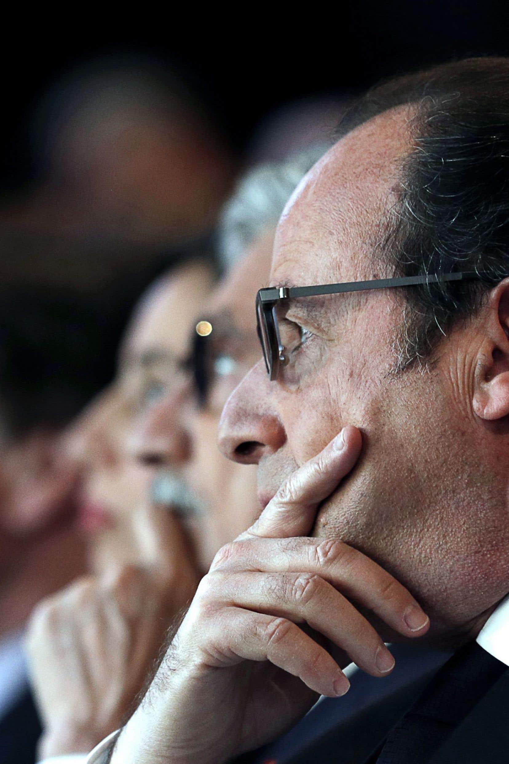François Hollande pourra-t-il se porter candidat du Parti socialiste à la présidentielle? Devant ses difficultés, on assiste depuis deux semaines à une étonnante libération de la parole à gauche.