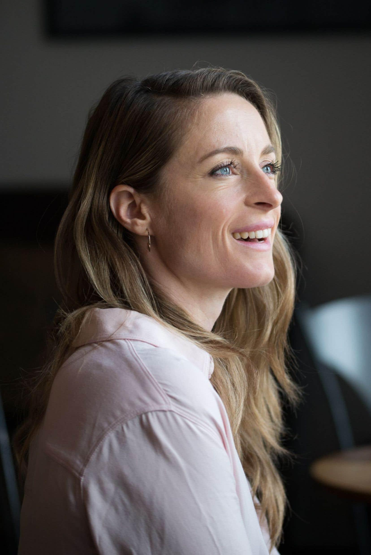 La comédienne Christine Beaulieu signe et interprète le texte de «J'aime Hydro», dans lequel elle a intégré son propre parcours, ses doutes, sa vie.