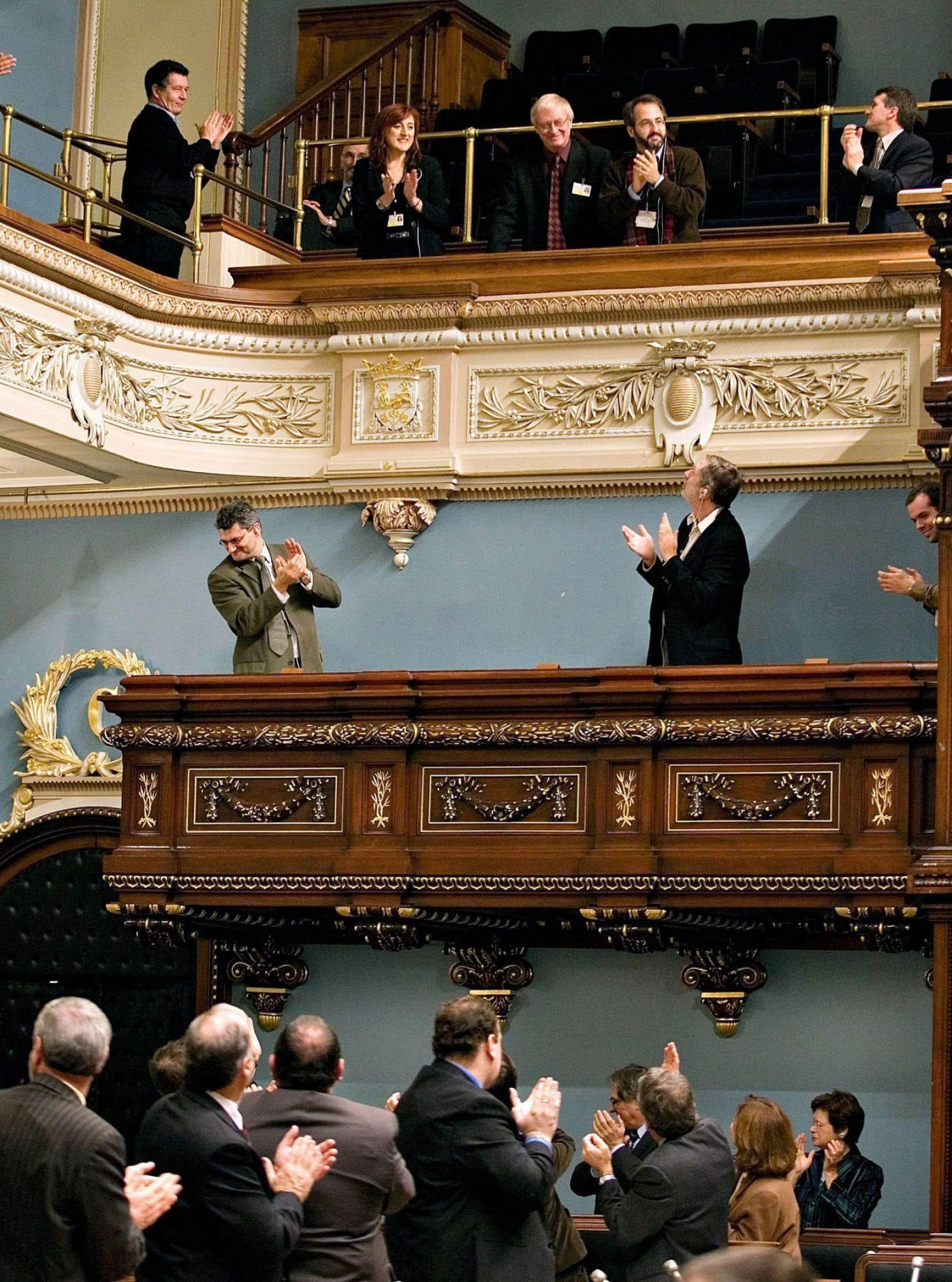 Les femmes sont toujours minoritaires, tant à l'Assemblée nationale qu'à la Tribune de la presse.