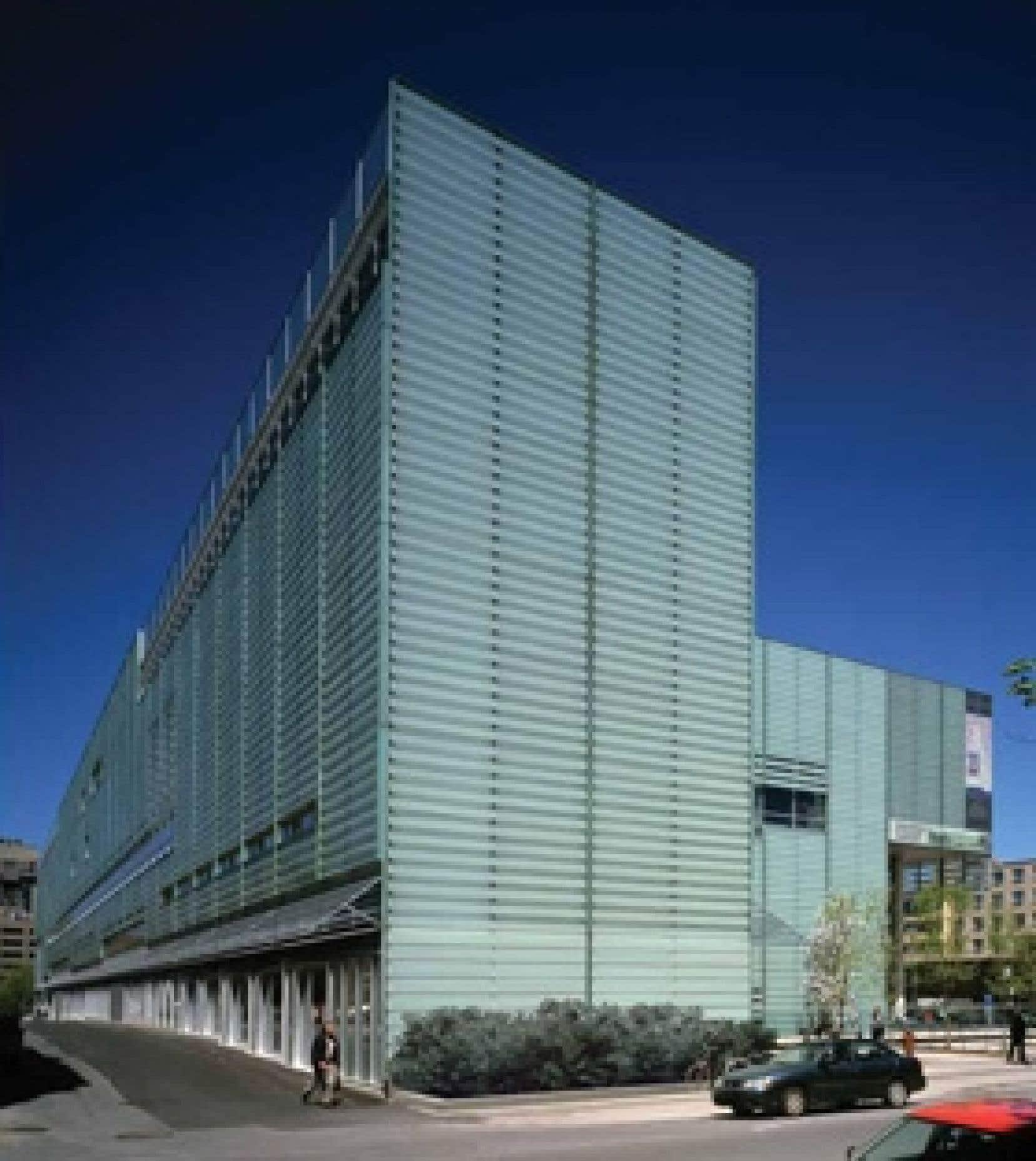 C'est Bibliothèque et Archives nationales du Québec qui héberge la collection de la Magnétothèque.