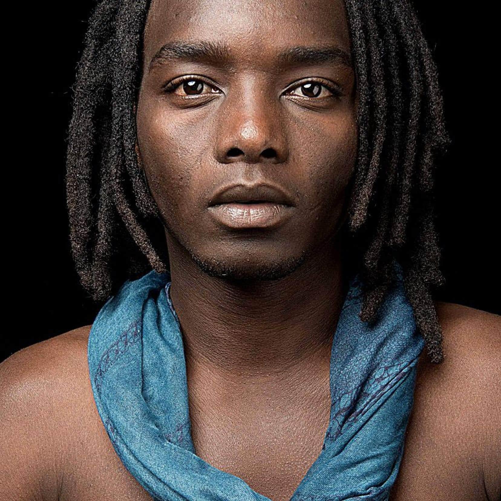 Le musicien sénégalais Ilam fait en ce moment partie des Révélations Radio-Canada.