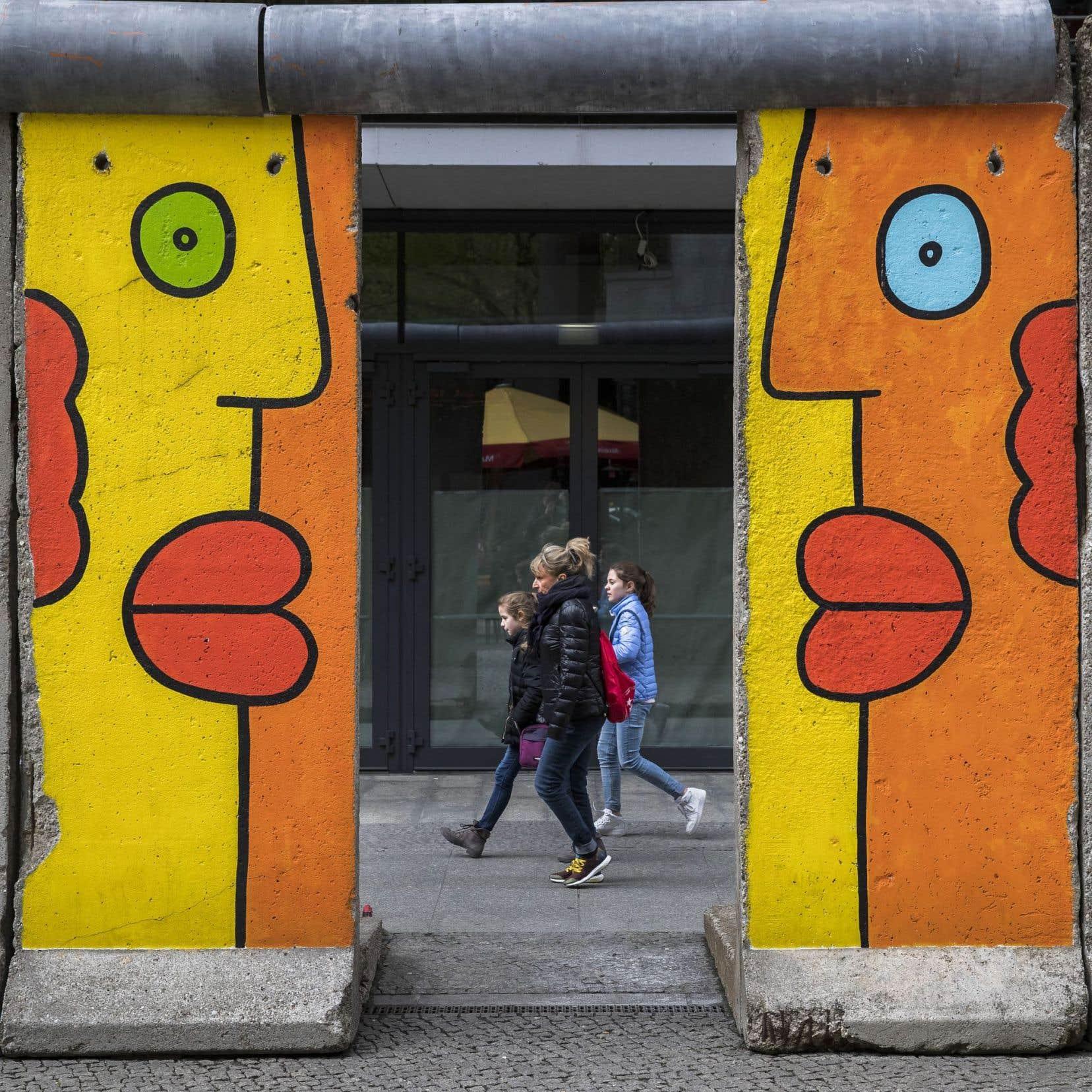 Selon Nooteboom, Berlin est la ville qui a le mieux effacé le triomphe des haines par leur «lente usure».