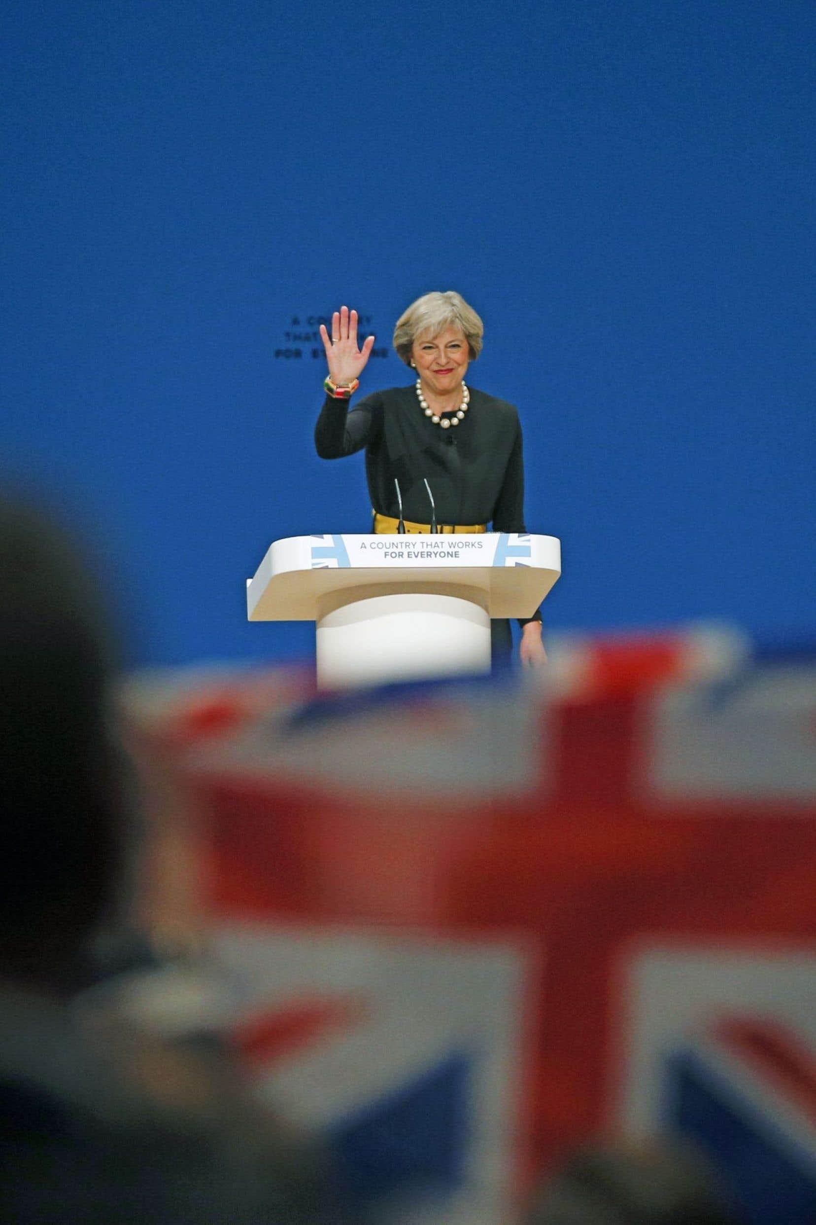 Devant des militants réunis à Birmingham pour le congrès annuel du Parti conservateur, Theresa May a annoncé un avenir radieux au sein d'un Royaume-Uni «totalement indépendant».