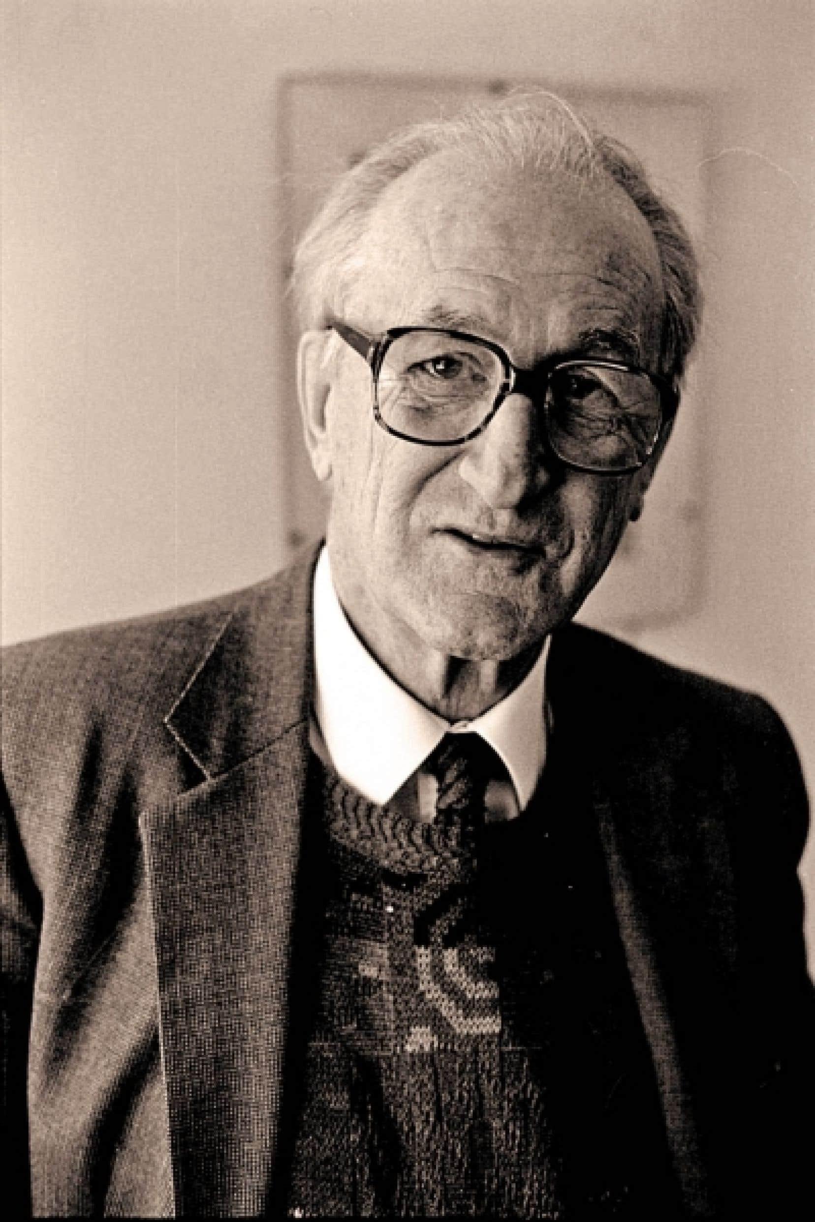 L'un des phares de la littérature québécoise, l'écrivain Pierre Vadeboncœur est mort tôt hier matin à Montréal, emporté par une très brève maladie.