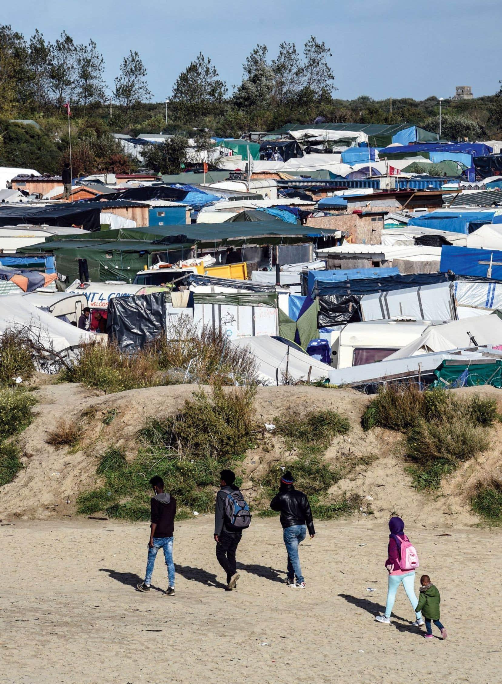 7000 migrants seront évacués de la «jungle» de Calais.