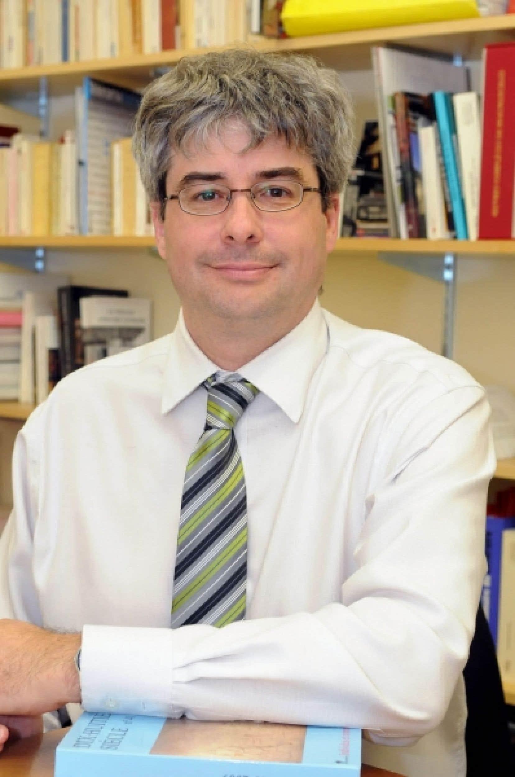 Marc André Bernier, titulaire de la Chaire de recherche du Canada en rhétorique et professeur au Département de lettres et communication sociale de l'Université du Québec à Trois-Rivières