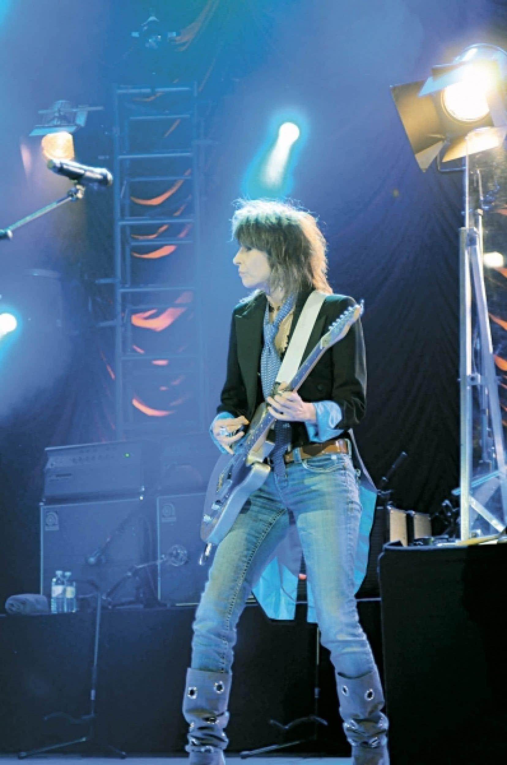 Chrissie Hynde, à 58 ans, est encore et toujours la Keith Richards des chanteuses de rock, intraitable et cool.