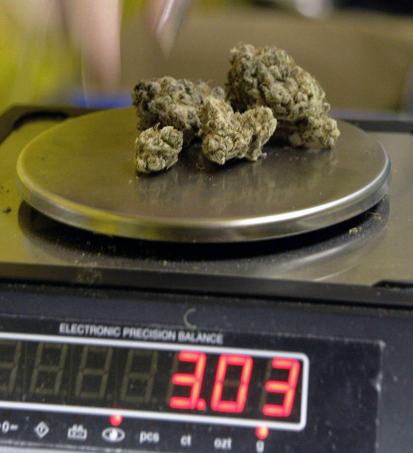 Ottawa se prépare à resserrer les règles entourant la marijuana médicinale pour les vétérans.