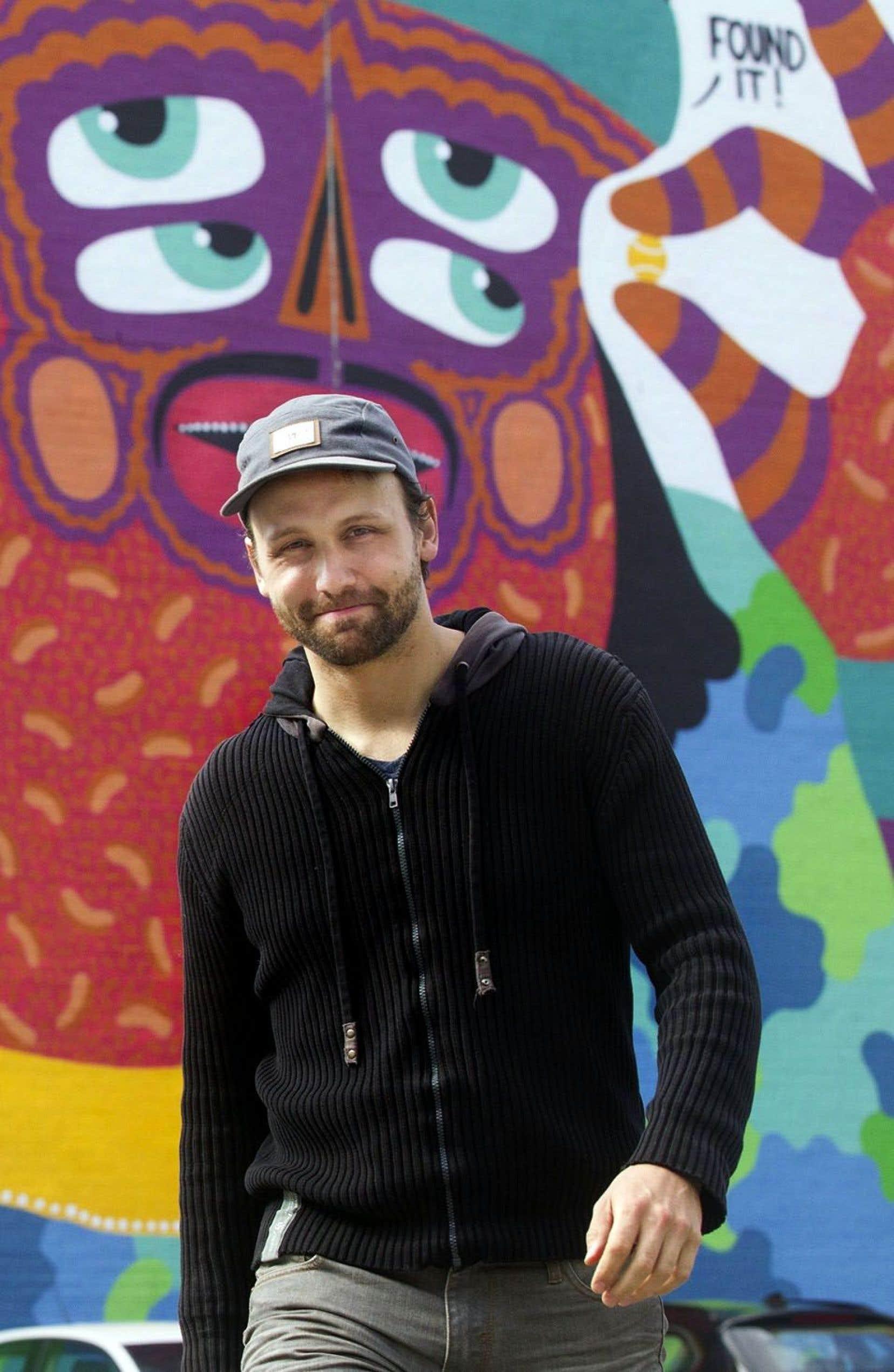 Cette édition charnière du festival sera la toute première du comédien, réalisateur et auteur-compositeur-interprète Émile Proulx-Cloutier, porte-parole cette année.