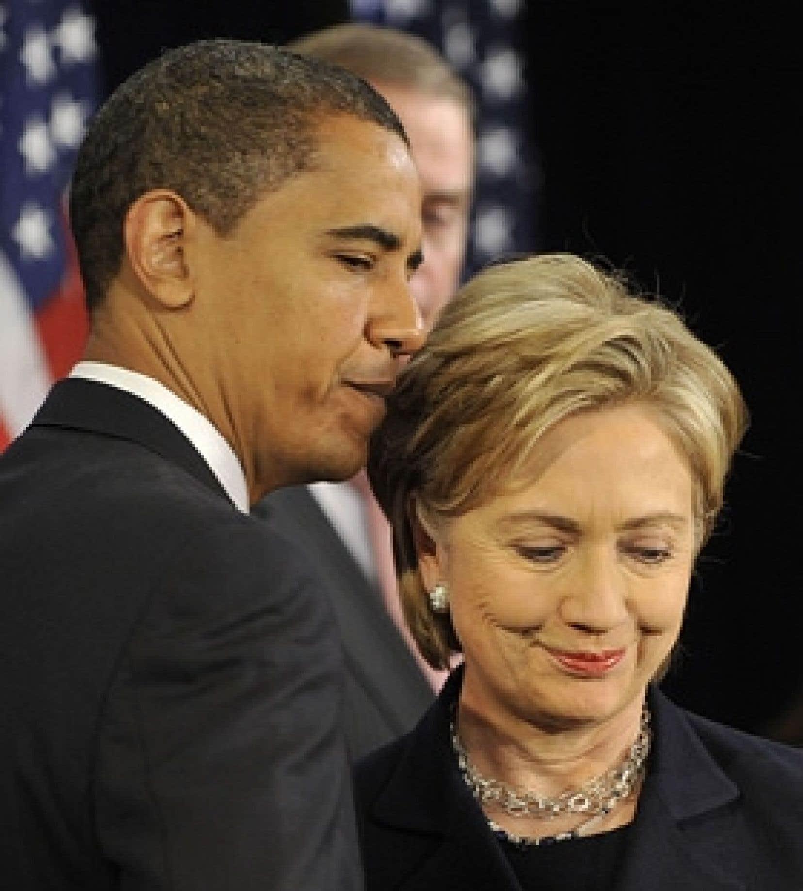 Le président américain élu, Barack Obama, et Hillary Clinton, nommée hier secrétaire d'État.