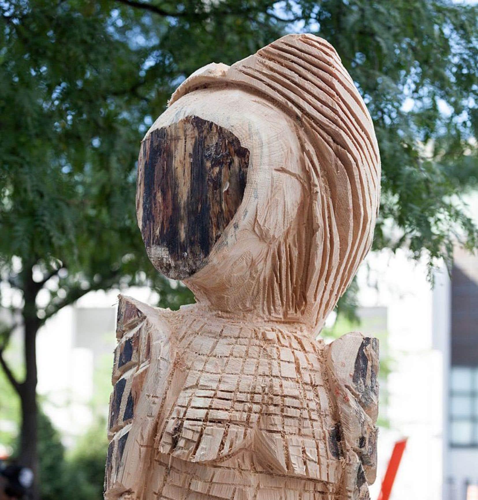 «La femme de la nuit», sans visage, de Jacques Newashish, a disparu de la place des Festivals.