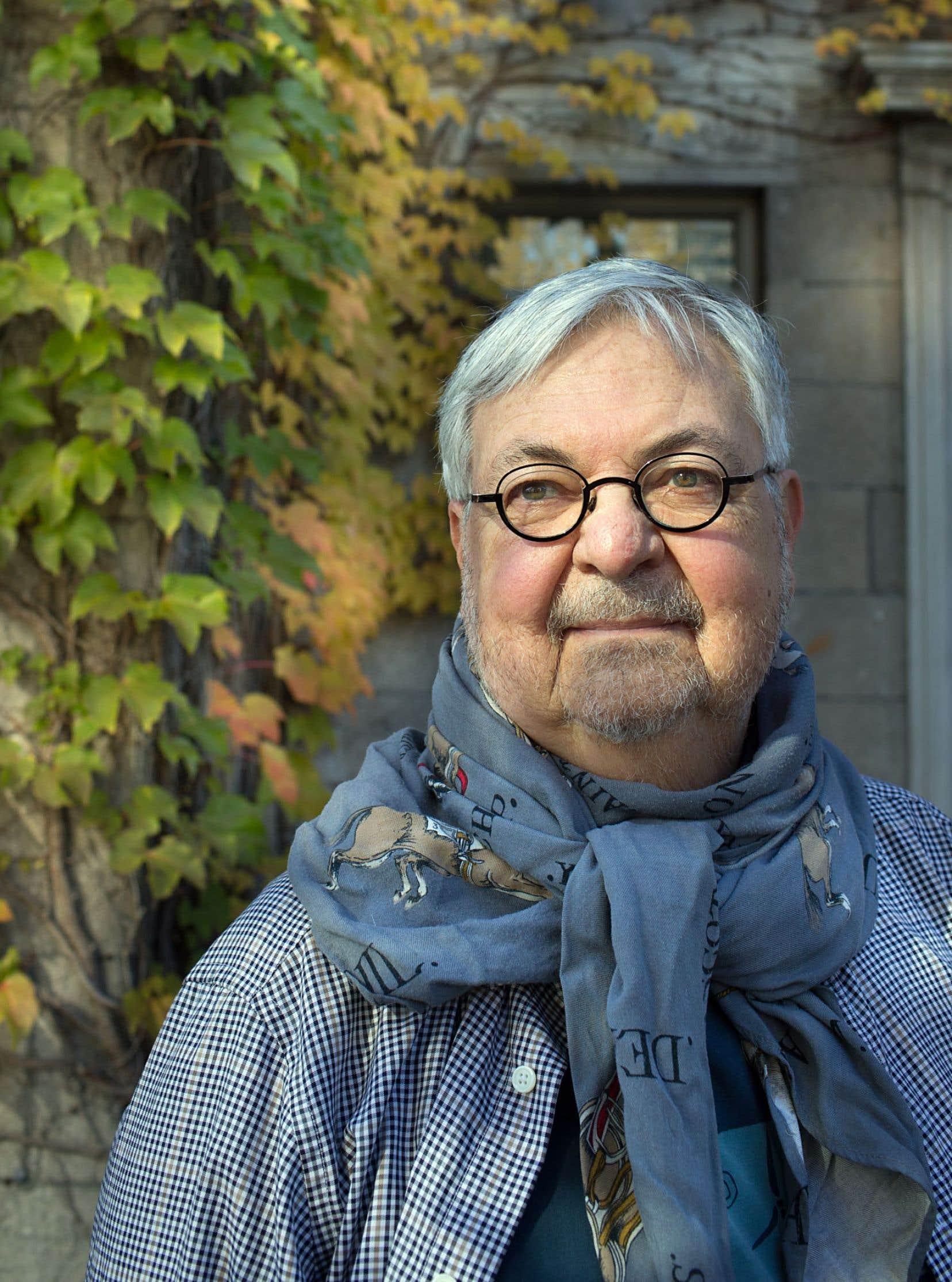 Michel Tremblay mène ce court roman, illustré de ses propres aquarelles, d'une main attentive et bienveillante.