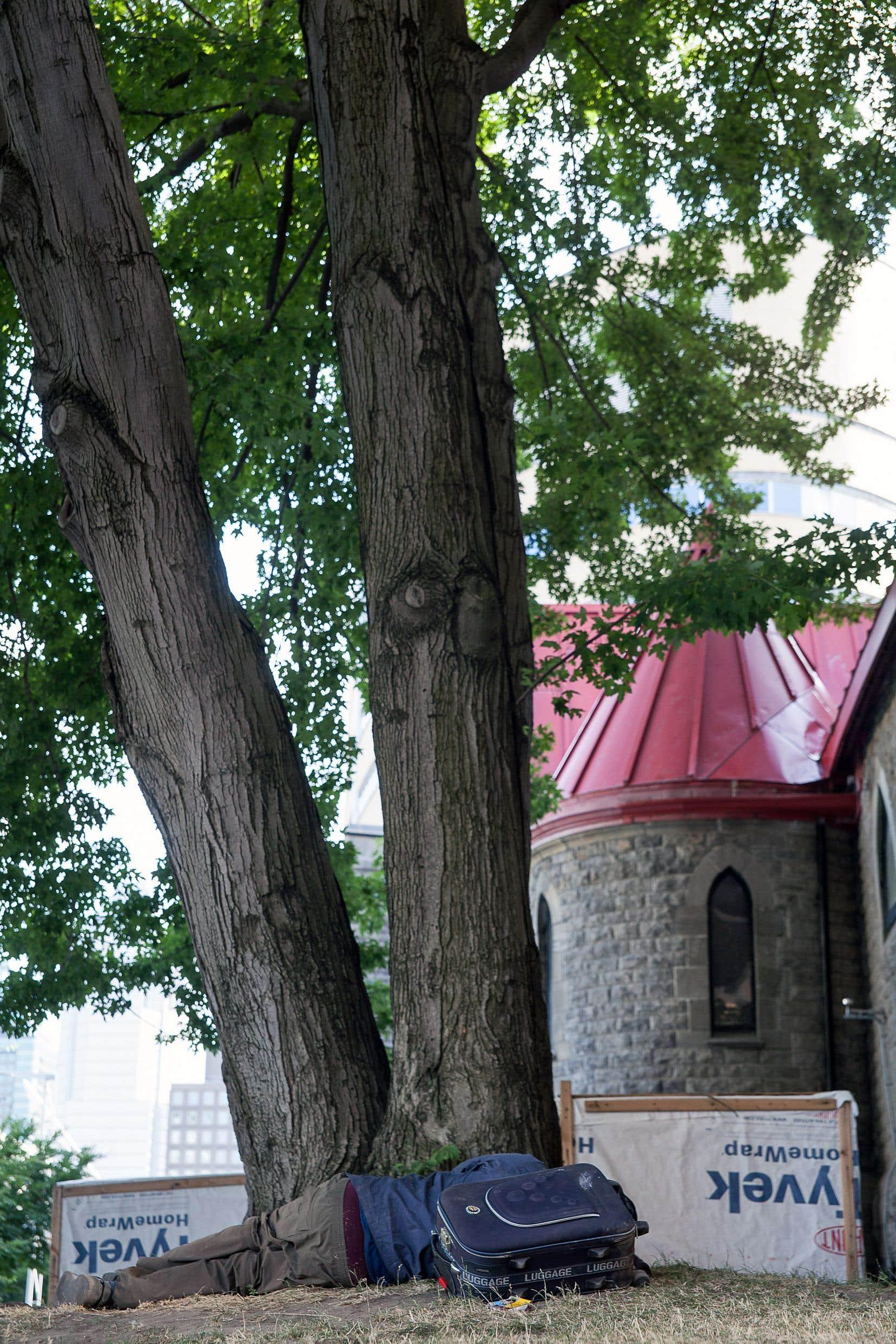 Après 91ans d'existence, la Mission Saint-Michael se retrouve au bord du gouffre. Deux fondations ont décidé de retirer leur financement à l'organisme de l'avenue Président-Kennedy, préférant contribuer à des programmes de logements pour itinérants.