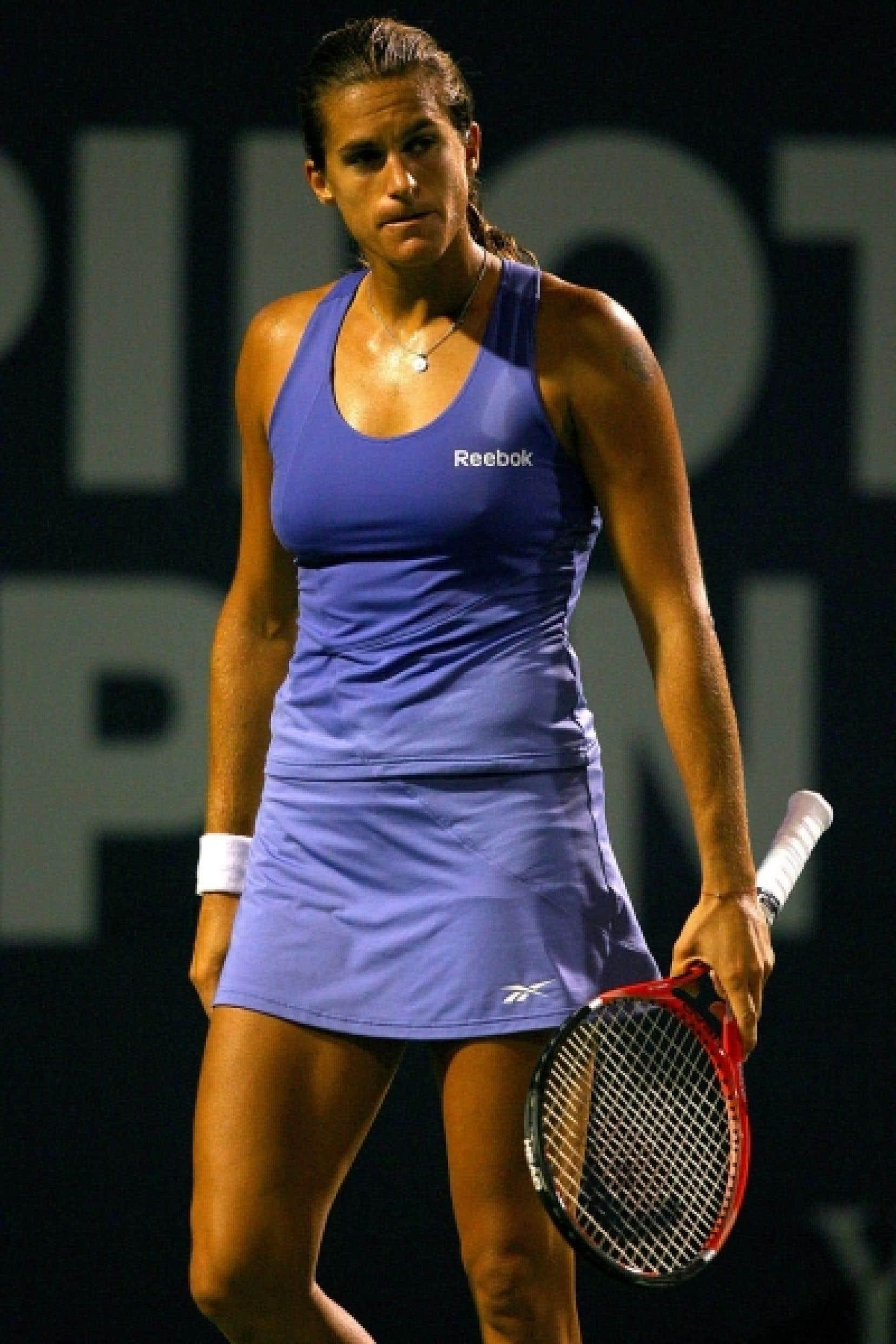 Rare exemple d'athlète ayant fait son «coming out» pendant sa carrière, la joueuse de tennis Amélie Mauresmo a essuyé des critiques d'adversaires, mais a aussi suscité l'admiration. Aujourd'hui à la retraite, elle estime que sortir du placard à 19 ans pendant l'Open d'Australie en 1999, «pour moi et pour mon tennis, c'était la bonne chose à faire»