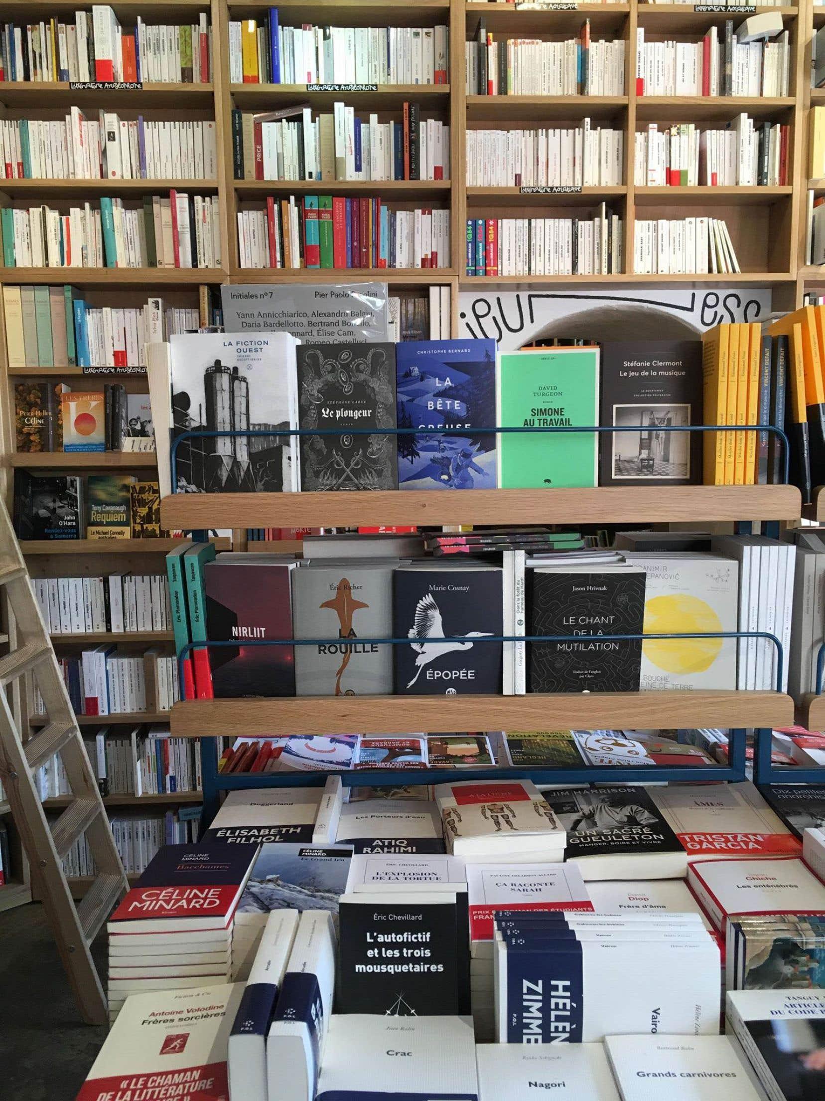 Quelques titres du Quartanier, offerts à la librairie Le Monte-en-l'air, dans le 20e arrondissement de Paris