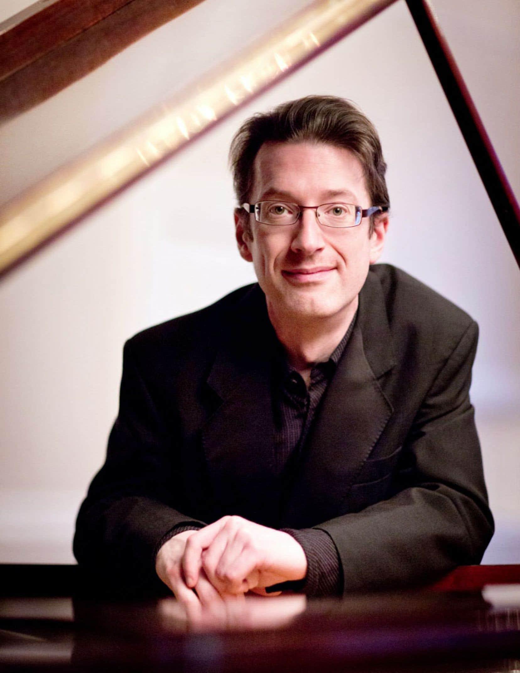 Le talent impressionnant du pianiste en matière de création de couleurs et d'atmosphères transparaît d'emblée.