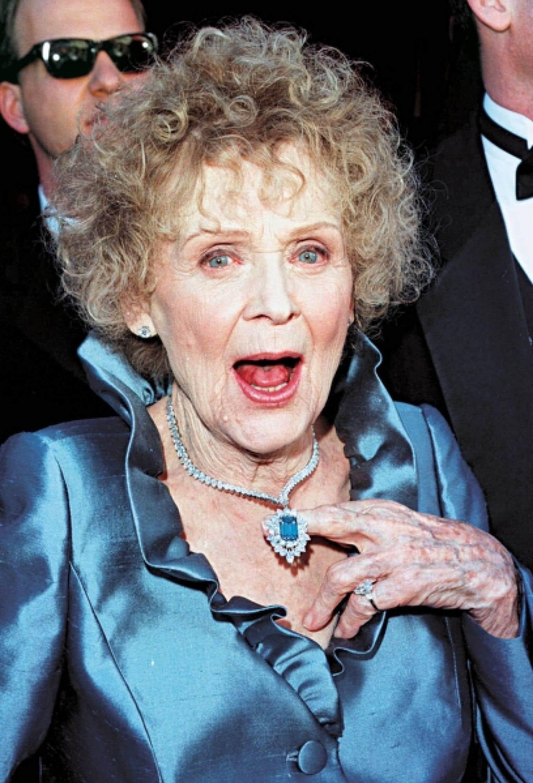 Gloria Stuart lors des Oscar en 1998.<br />