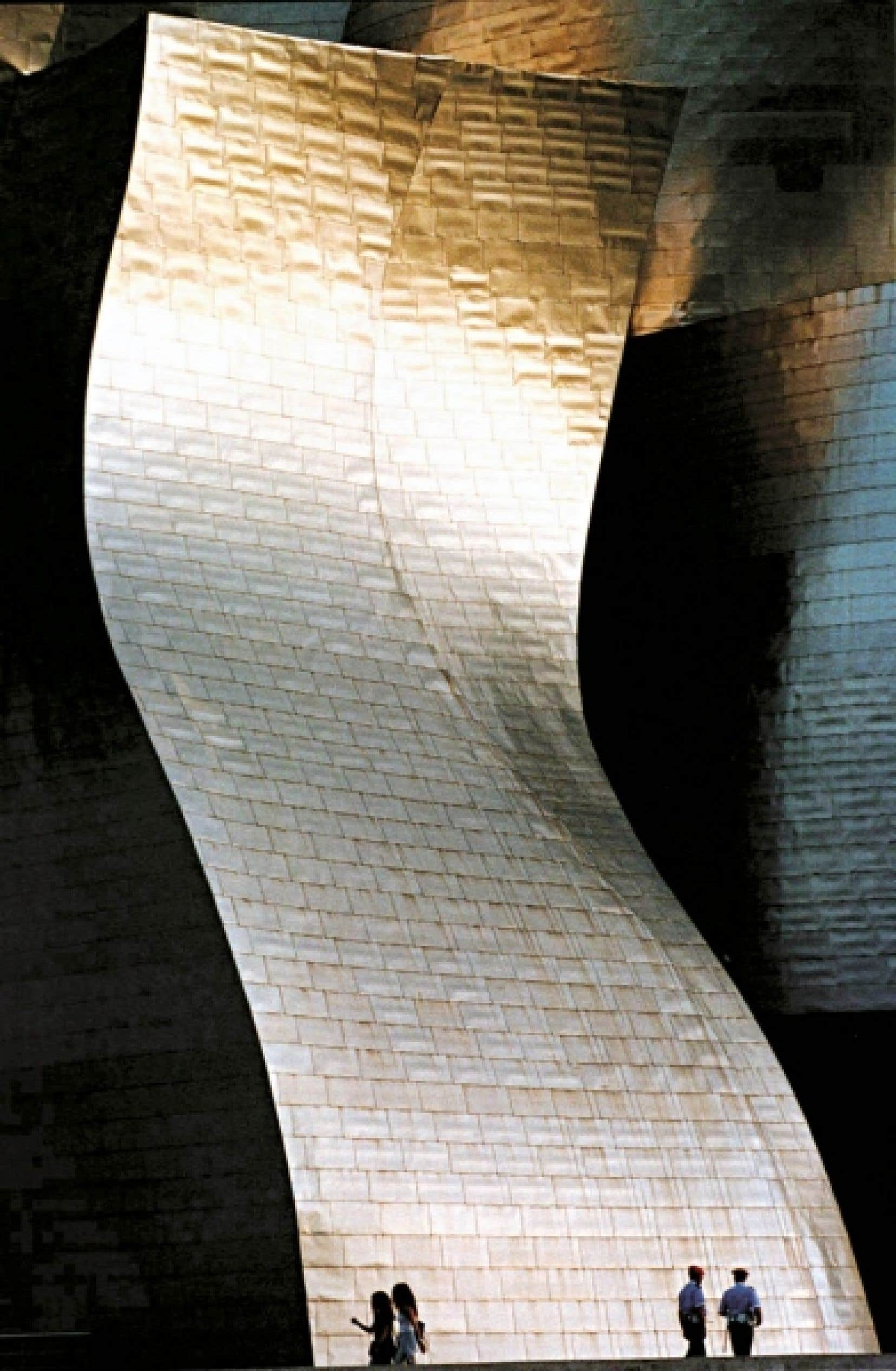 Conçu par l'architecte nord-américain Frank O. Gehry, le musée Guggenheim Bilbao a ouvert ses portes au public en 1997.