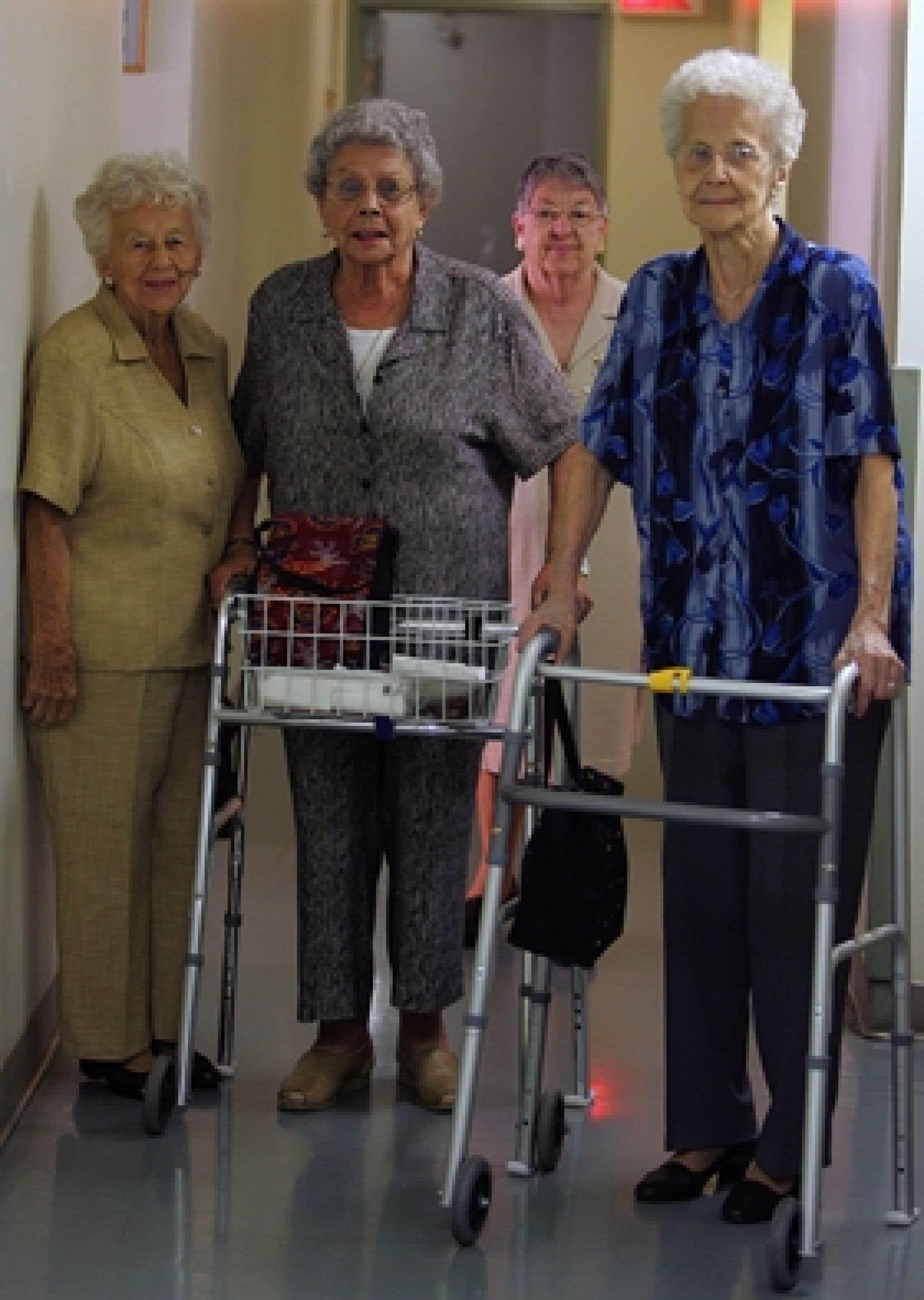 La courbe démographique des personnes âgées de 75 ans ou plus ralentit de manière significative entre 2007 et 2012 pour se retrouver à 9 %, par rapport à 19,1 % entre 2002 et 2007.