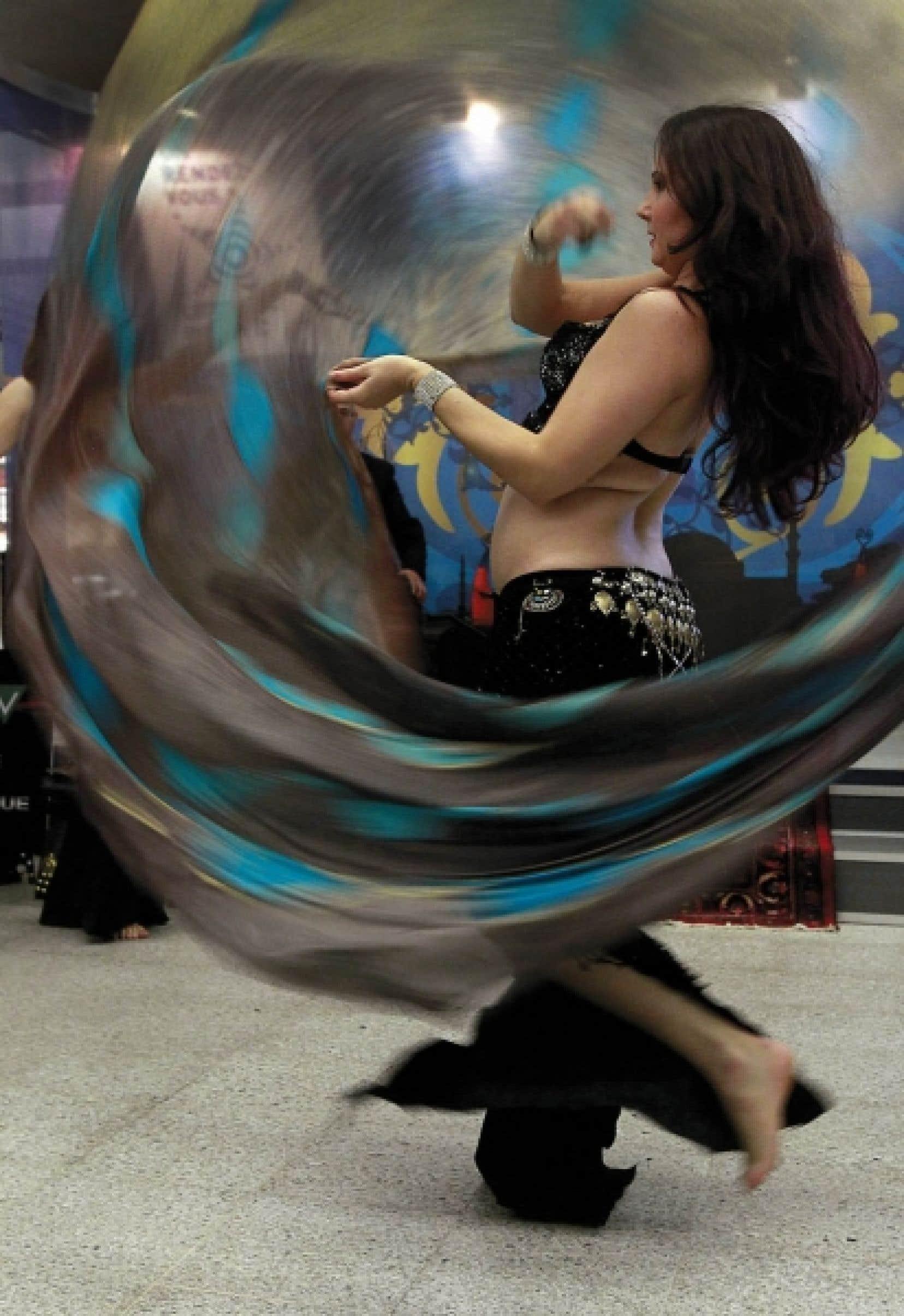 Le Festival du monde arabe de Montréal a dévoilé hier, tout en musique et en danse, la programmation de sa 11e édition, qui se tiendra sur le thème «Arabitudes».<br />