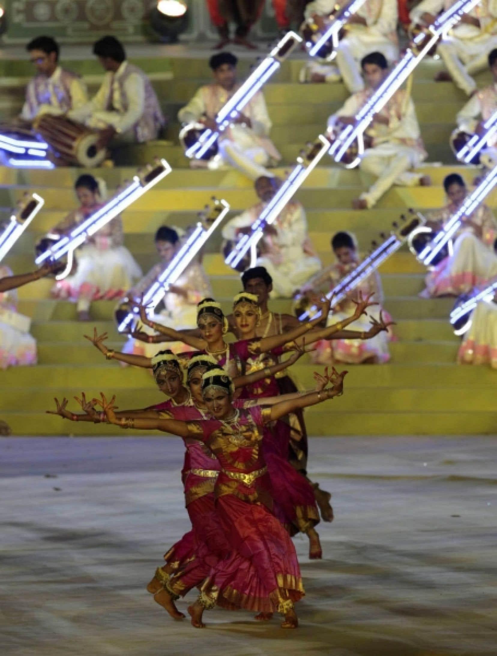 Le mégaspectacle d'ouverture des XIXes Jeux du Commonwealth a mis en valeur hier l'extraordinaire richesse de la culture indienne. Le stade Jawaharlal Nehru de New Delhi, rénové, a fait salle comble.<br />