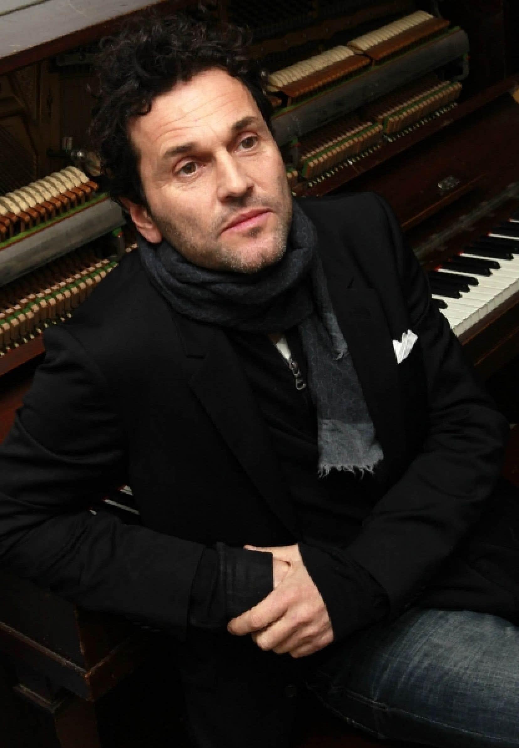 C'est dans son tout nouveau studio personnel, attenant à son domicile, que Martin Léon a créé ses 11 nouveaux titres.<br />