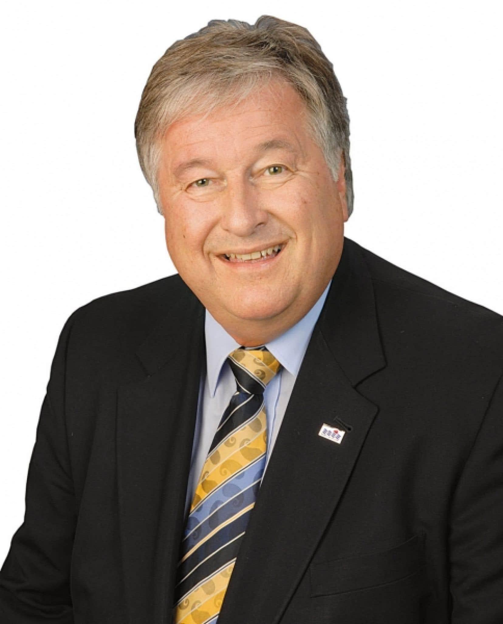 Denis Lapointe est maire de la ville de Salaberry-de-Valleyfield et président de la Commission de l'environnement de l'Union des municipalités du Québec.<br />
