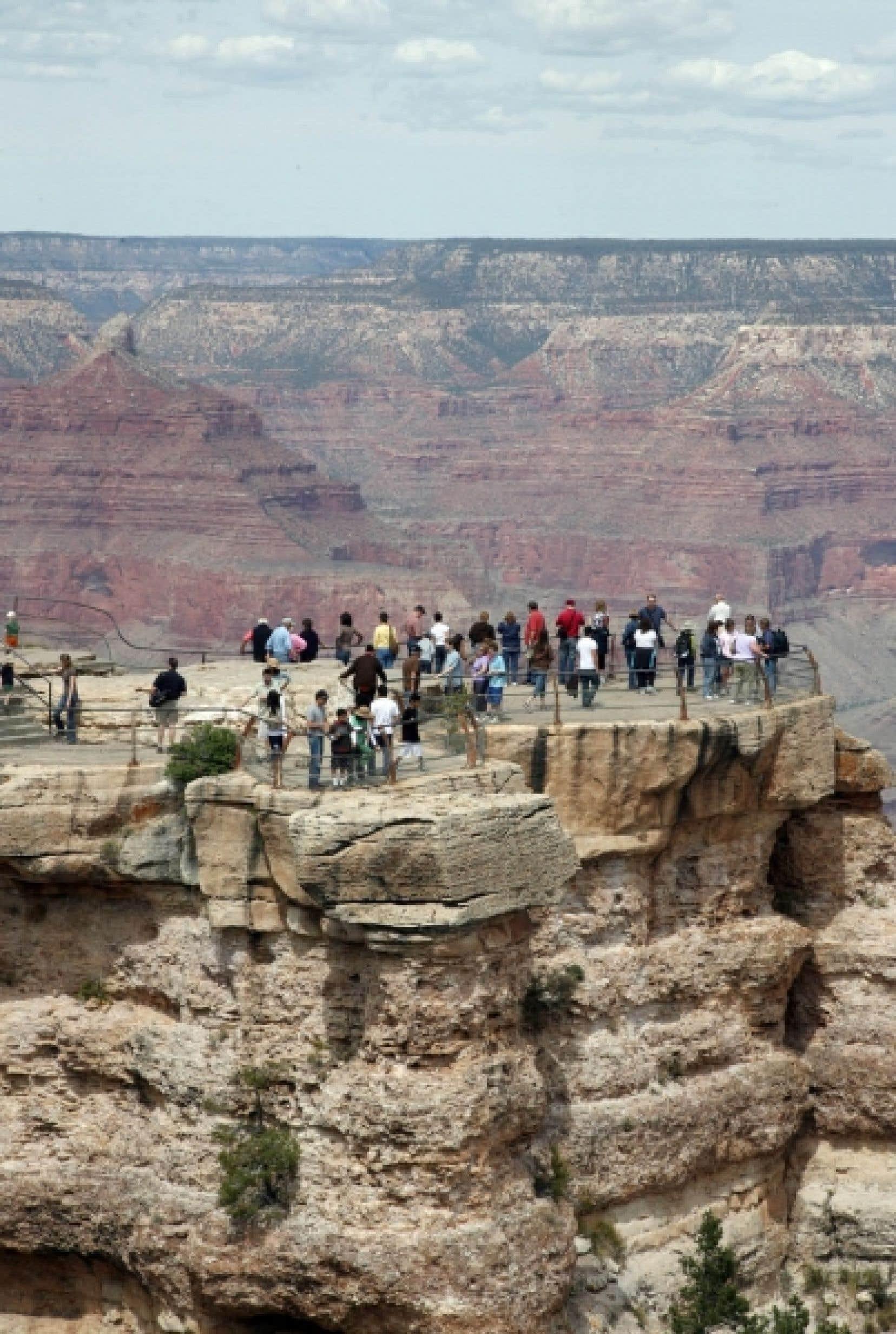 Une vue du Grand Canyon, en Arizona, long de quelque 450 kilomètres.