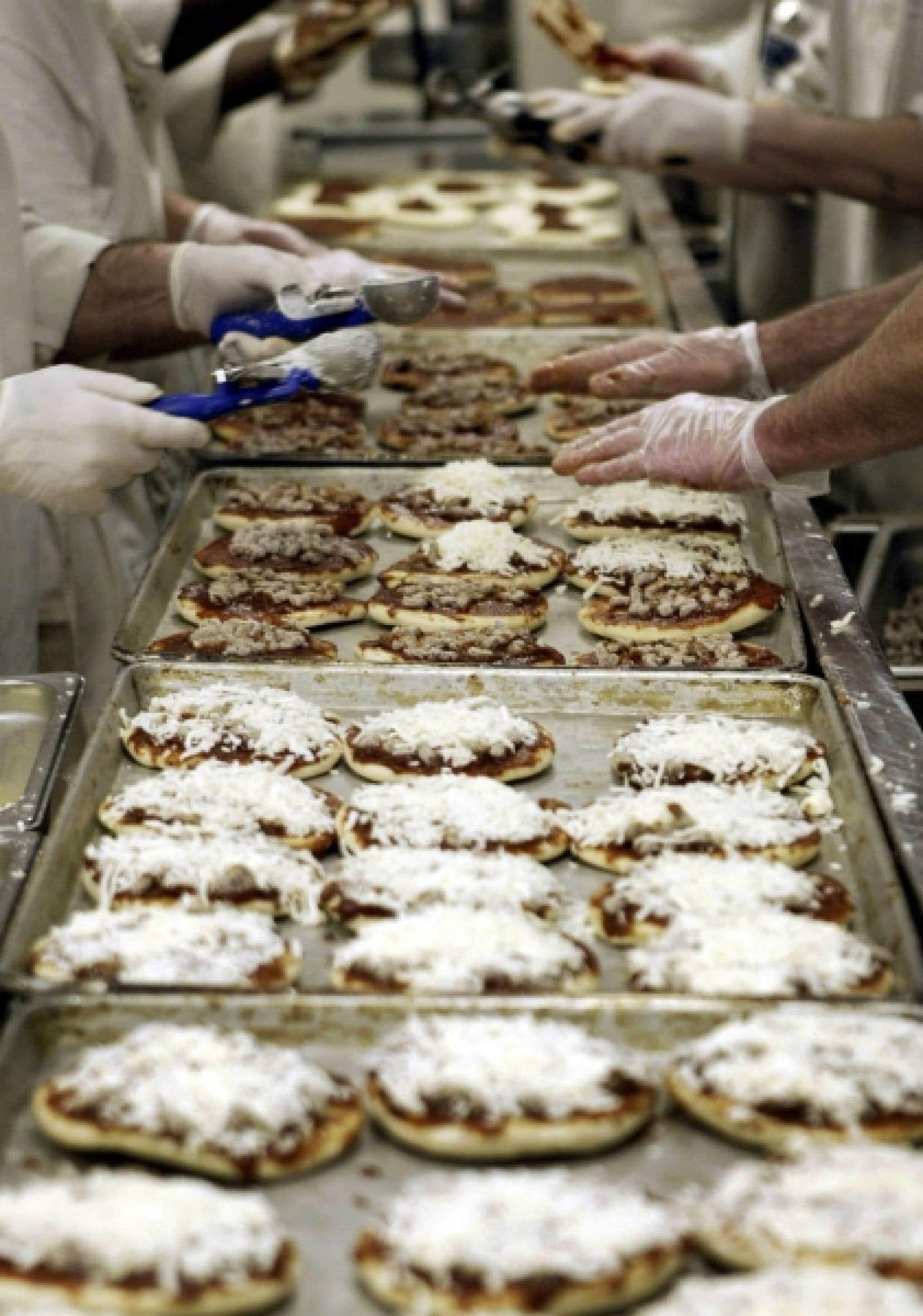 Les produits surgelés dont les pizzas sont une sorte de vulgaires copies d'un repas d'avion bas de gamme. Ils dégagent en chauffant une odeur désagréable et offrent aux papilles des tonalités conséquentes.