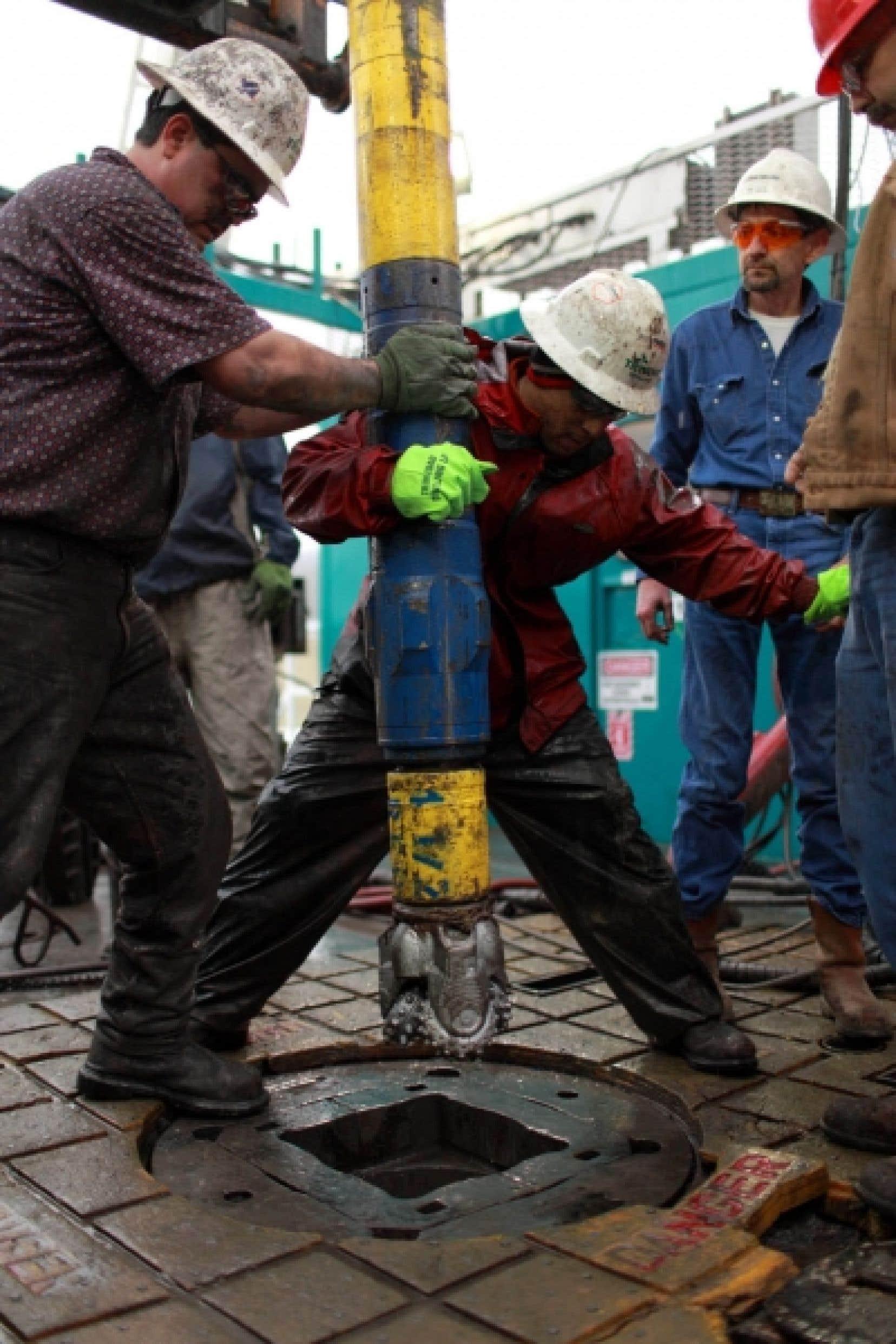 Opération de forage pour extraire du gaz de schiste au Texas.<br />