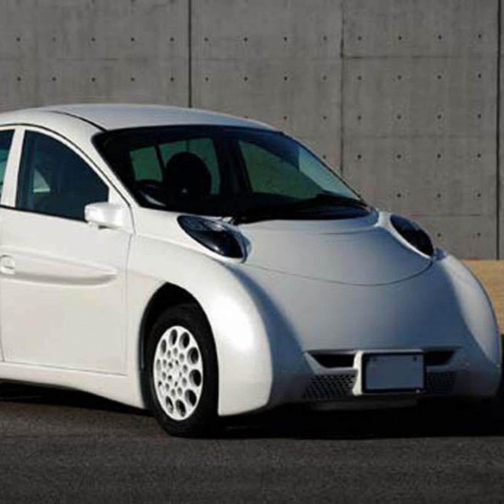 Le physicien Pierre Langlois dit de la SIM-LEI japonaise, dot&eacute;e de quatre moteurs-roues &agrave; entra&icirc;nement direct, qu&rsquo;elle est la voiture dont r&ecirc;vent autant James Bond que David Suzuki !<br /> <br />