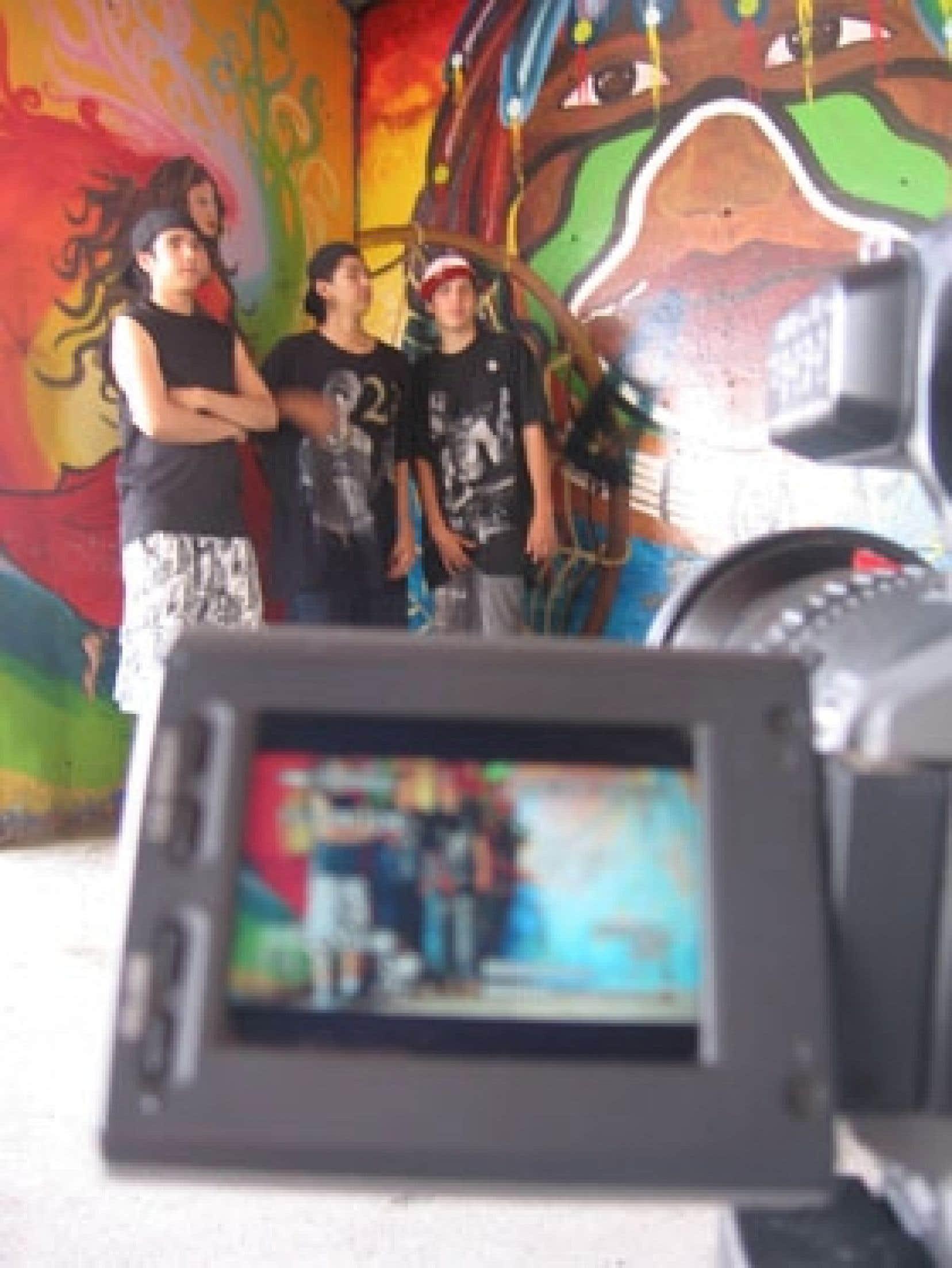 La Wapikoni mobile a permis à plus de 700 jeunes autochtones de créer 140 courts métrages — parmi lesquels 20 ont remporté des prix dans divers festivals nationaux et internationaux.  Source: Wapikoni mobile