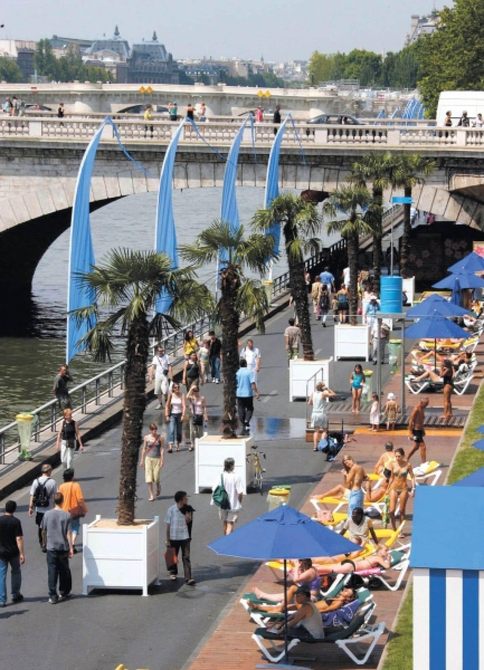 Depuis 2002, avec Paris Plages, les quais se donnent des allures de station balnéaire pendant un mois de l'été. <br />