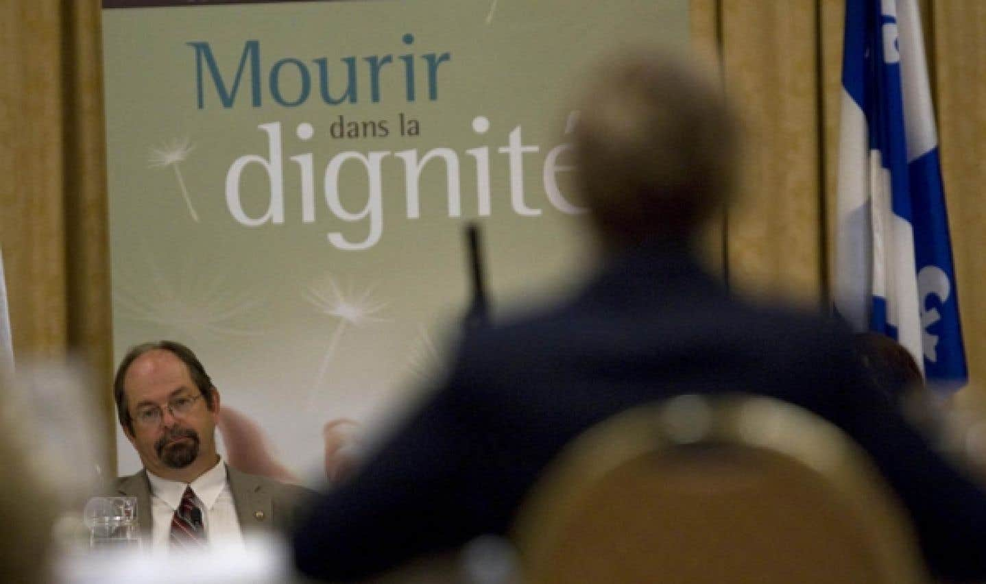 La commission de l'Assemblée nationale délibère - Le Barreau du Québec recommande que le droit de mourir dans la dignité soit reconnu