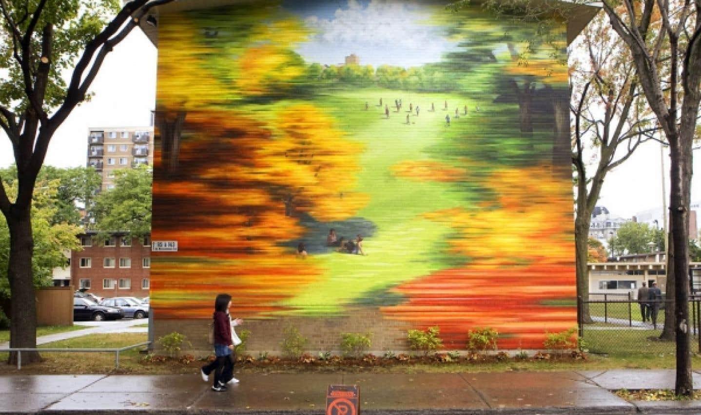David Guinn et Phillip Adams ont complété une série de murales aux Habitations Jeanne-Mance.