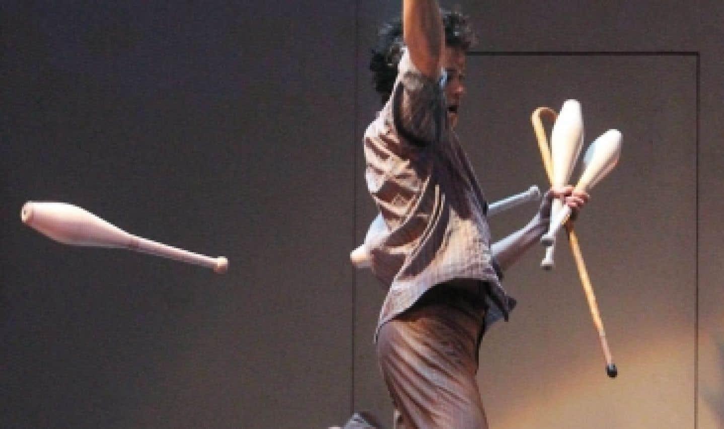 Psy, une création des 7 doigts de la main présentée à la Tohu en 2010