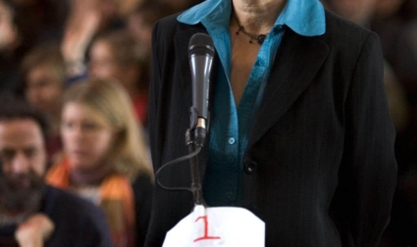 Françoise David croit que Madeleine Parent a incité le mouvement des femmes à établir certaines priorités dans son champ d'action.
