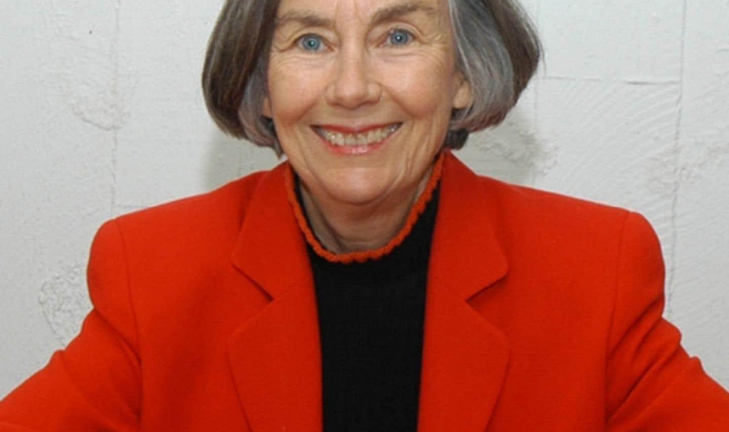 Lynn McDonald est professeure émérite au Département de sociologie et d'anthropologie de l'Université de Guelph et a été présidente du Comité canadien d'action sur le statut de la femme de 1979 à 1981.