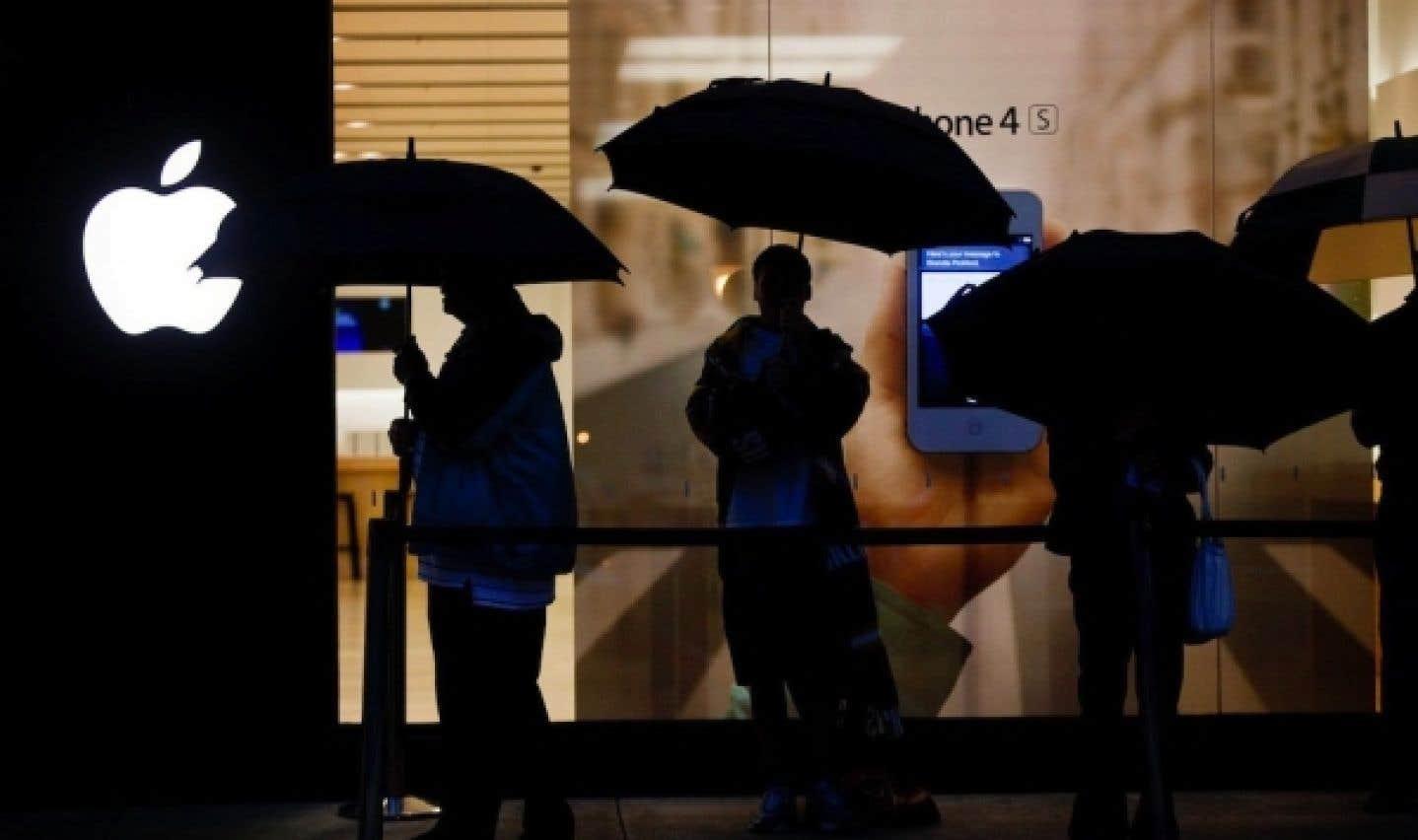 Le titre d'Apple a grimpé à 644 $US en matinée aujourd'hui, en hausse de 1,2 % depuis la fermeture des marchés hier, ce qui portait sa valeur à 600,4 milliards $US.