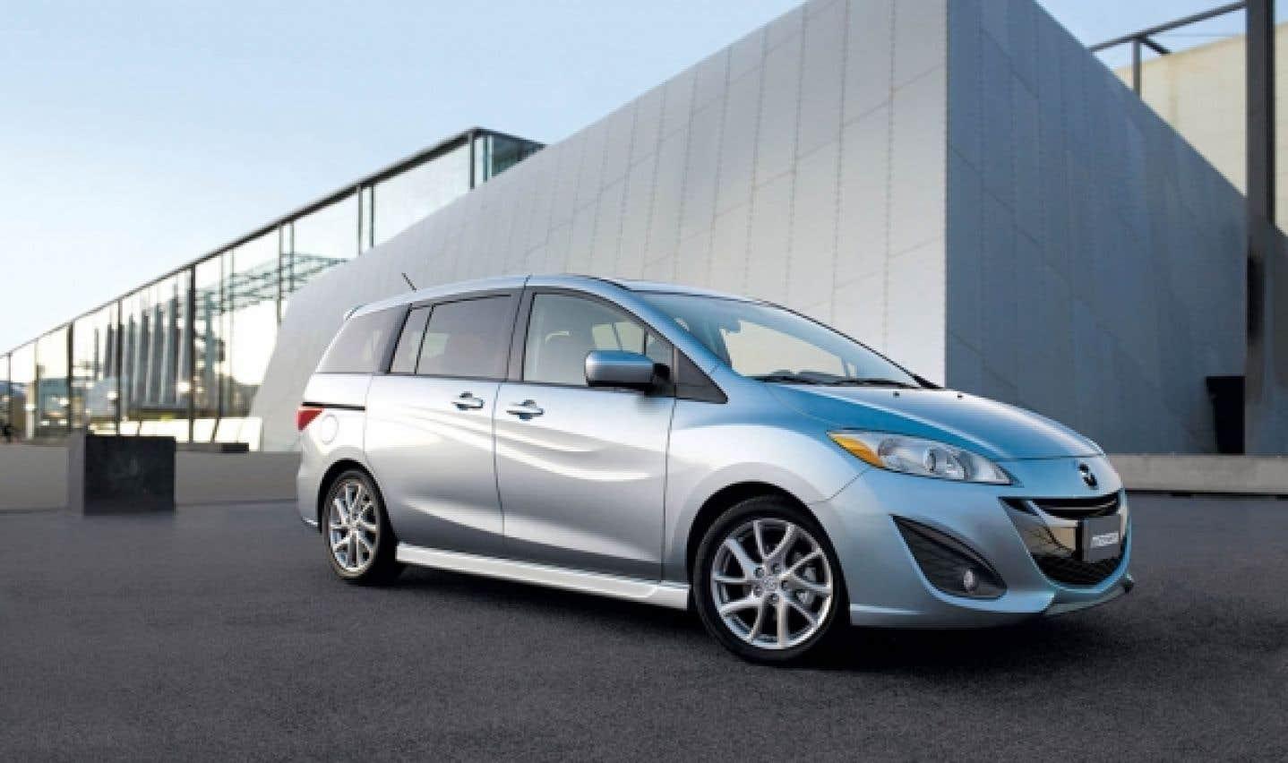 La Mazda5 est plus compacte que ses rivales, mais son habitabilité n'en souffre aucunement ; ce serait plutôt le contraire.